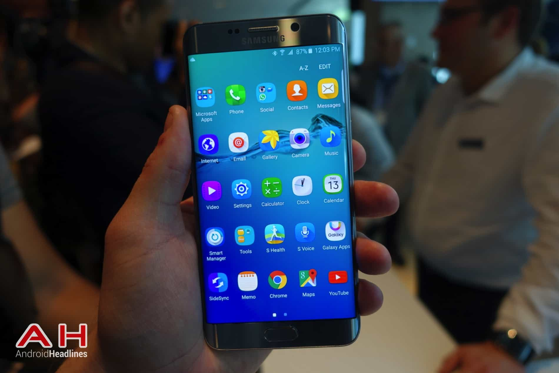 Galaxy S6 Edge Hands On AH 11