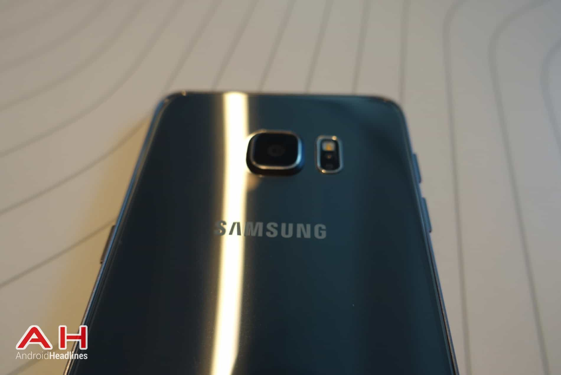 Galaxy S6 Edge Hands On AH 22