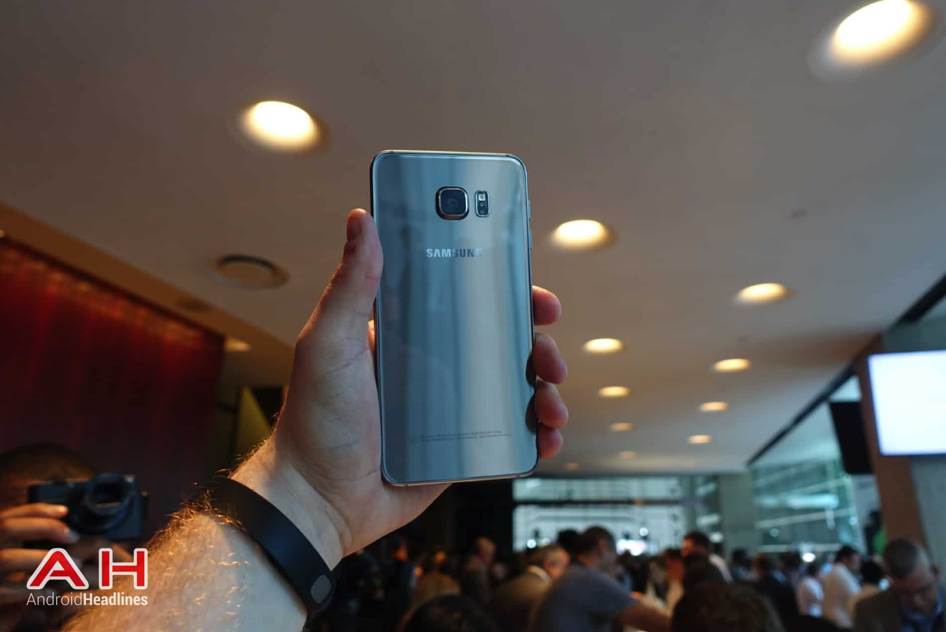 Galaxy S6 Edge Hands On AH 23