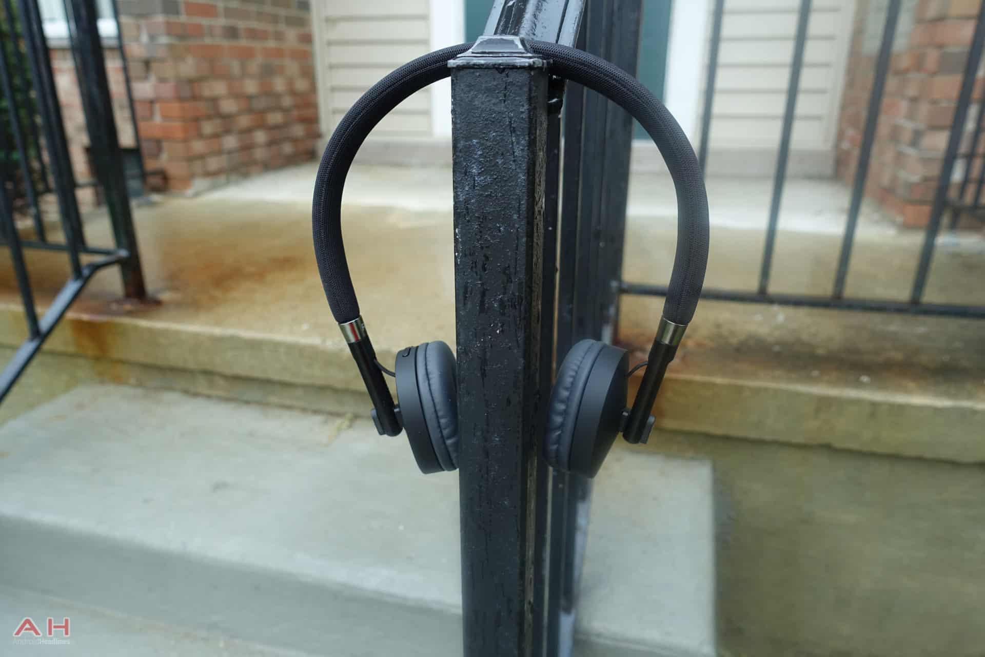 Moto Pulse Headphones AH 3