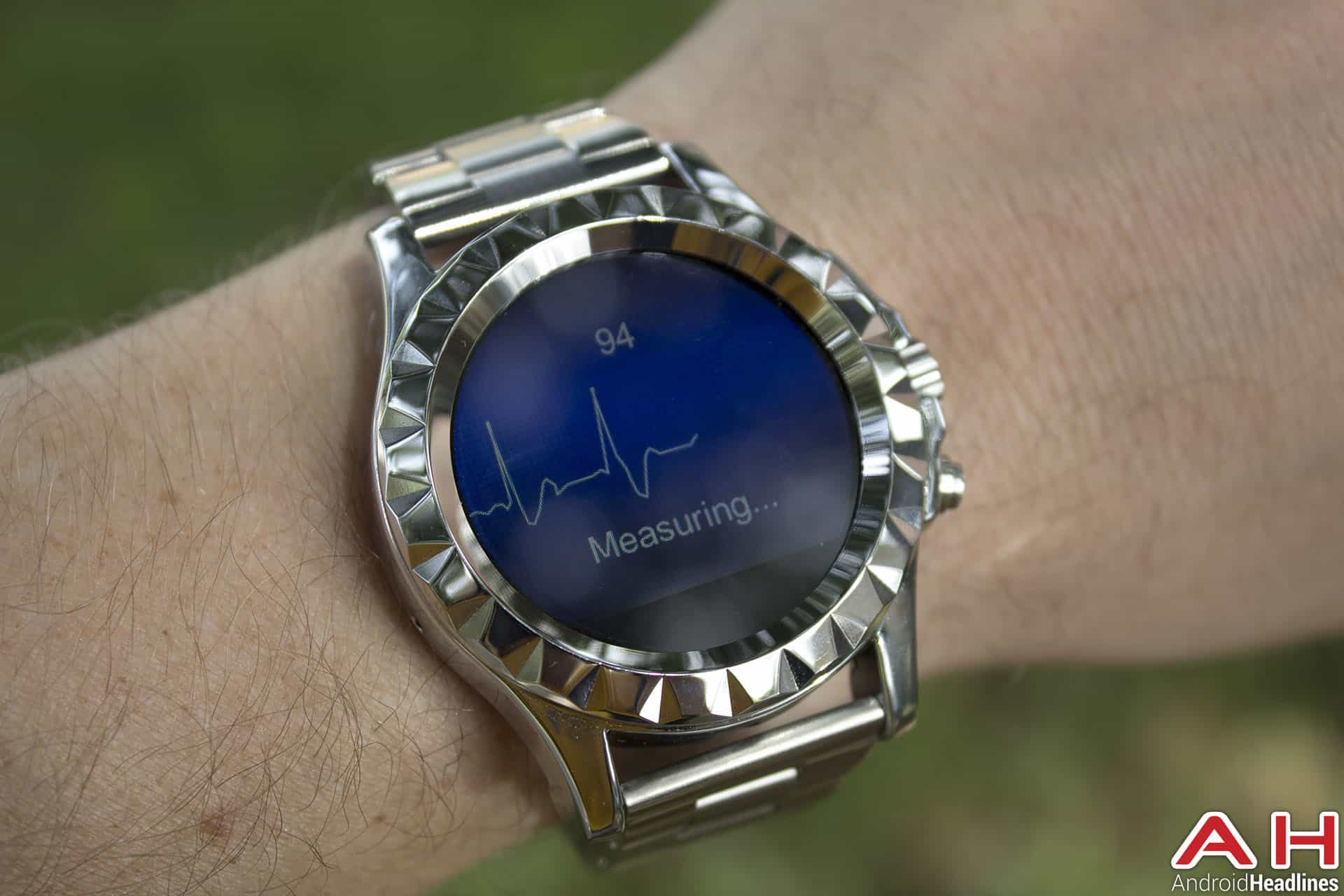 No-1-Sun-S2-Smartwatch-ECG