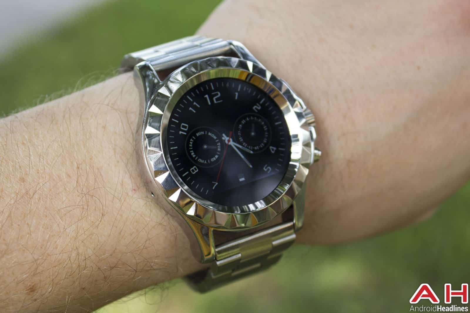 No-1-Sun-S2-Smartwatch-face-1