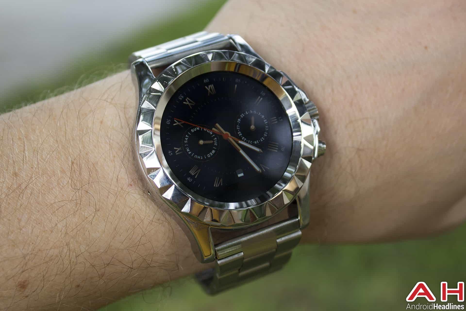 No-1-Sun-S2-Smartwatch-face-3