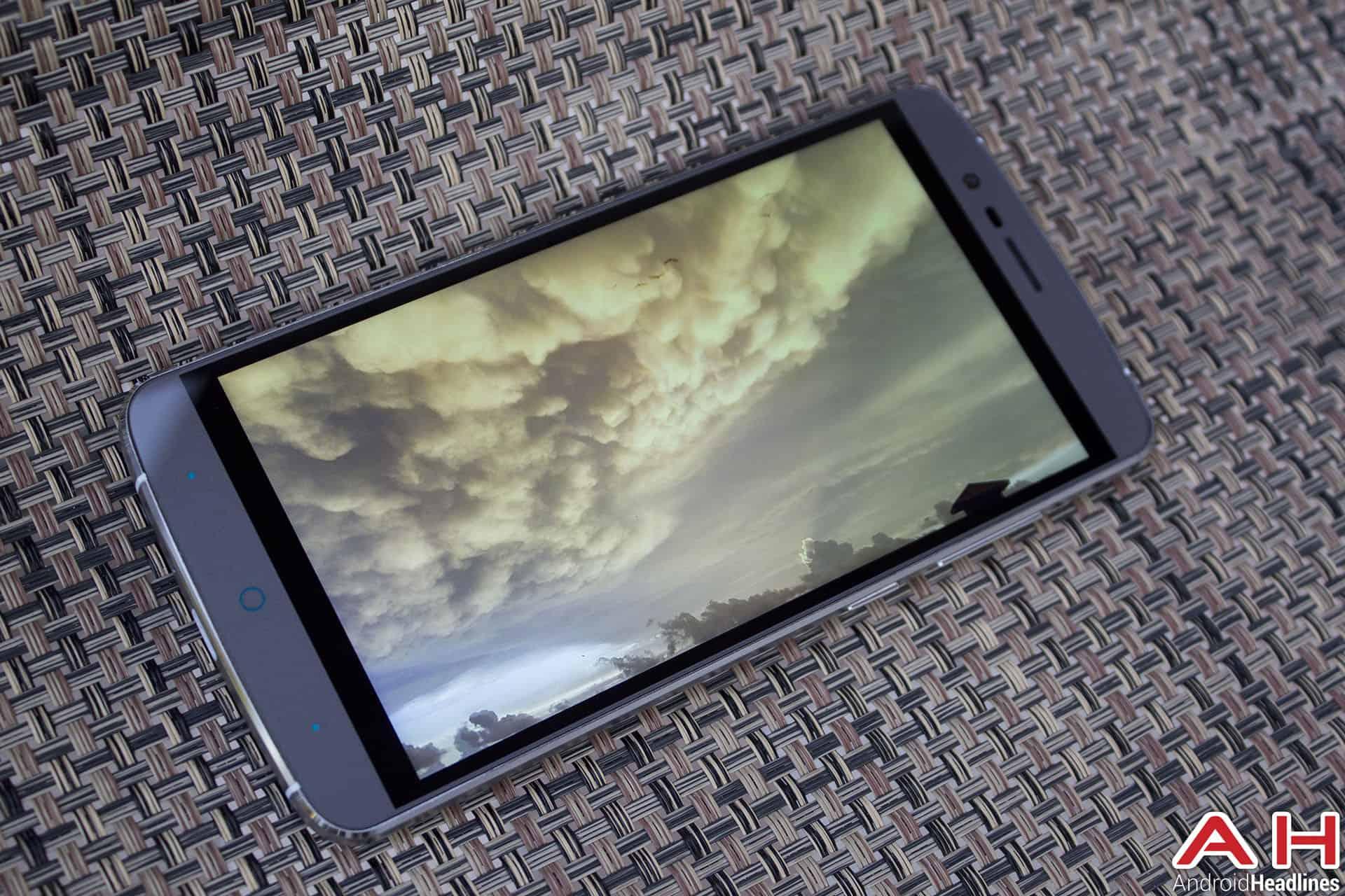 elephone-p8000-review-AH-display