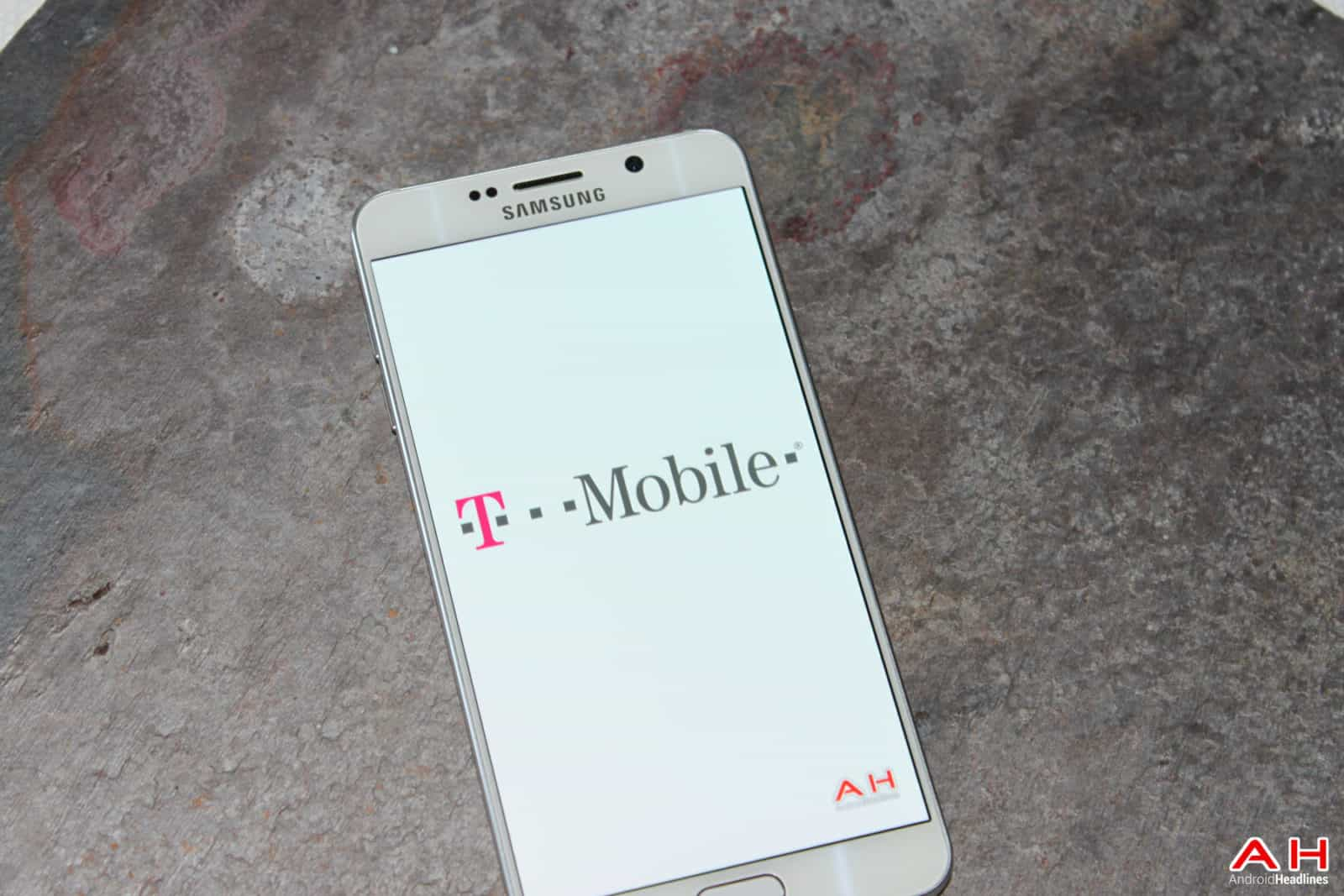 AH 2015  T-Mobile TMO LOGO-111