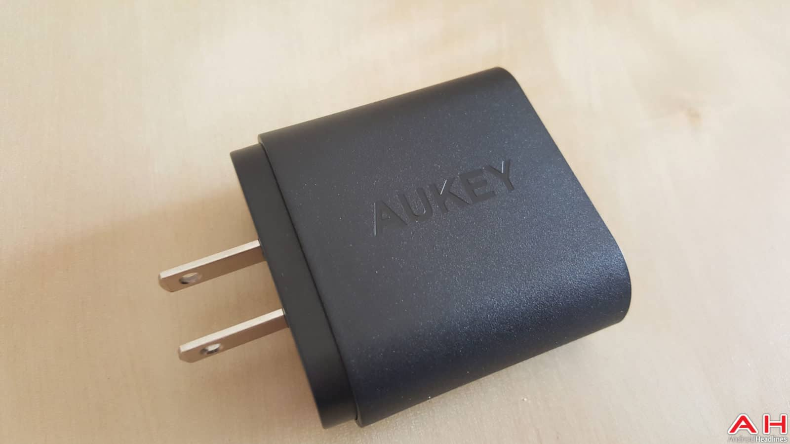 Aukey Quick Charge 3 Charger AH-2