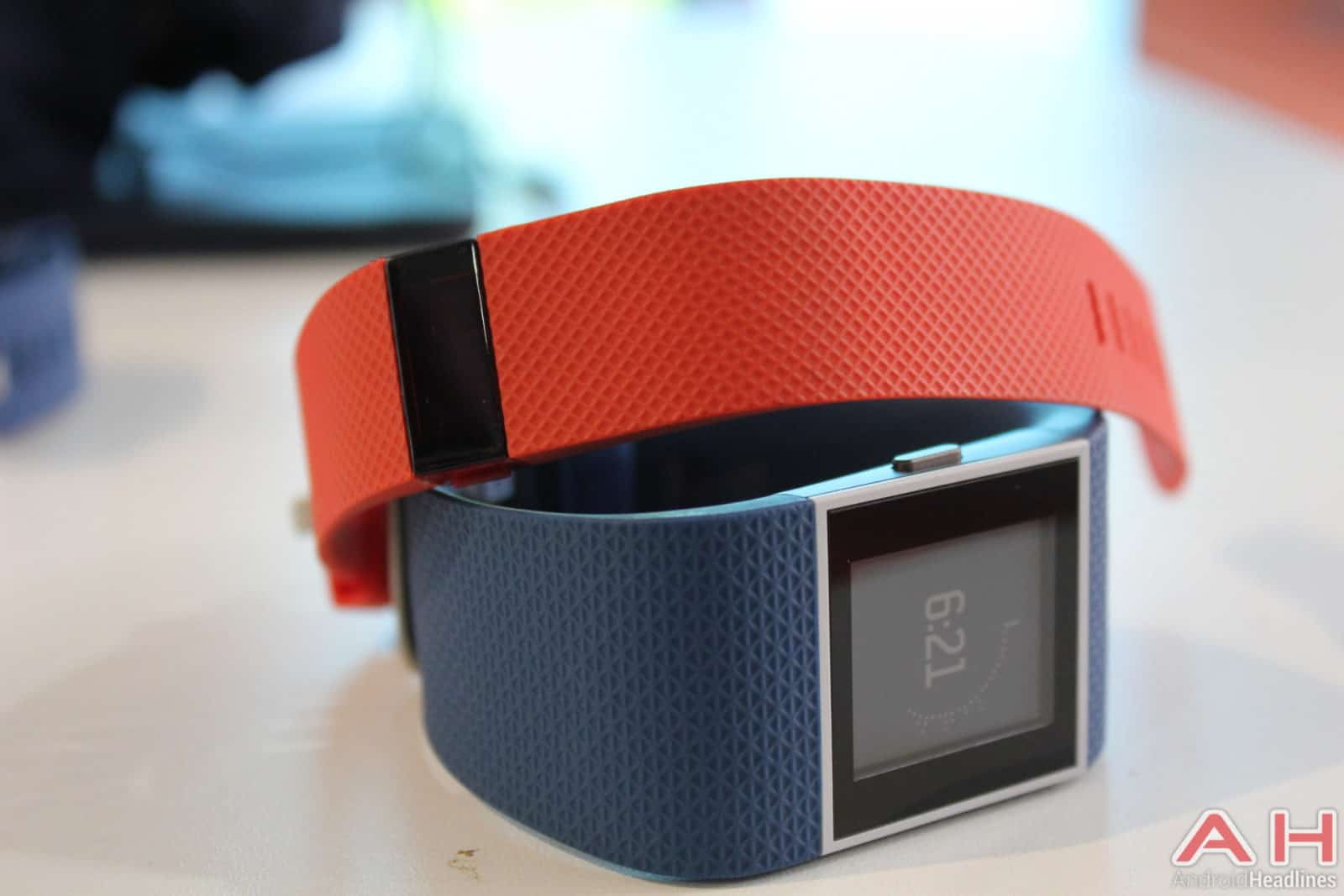 Fitbit-Charge-HR-Surge-AH-2