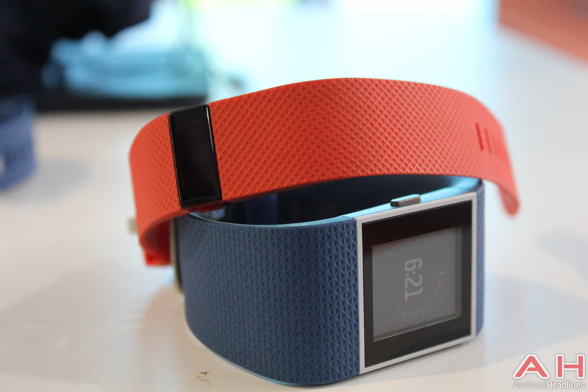 Fitbit Charge HR Surge AH 2