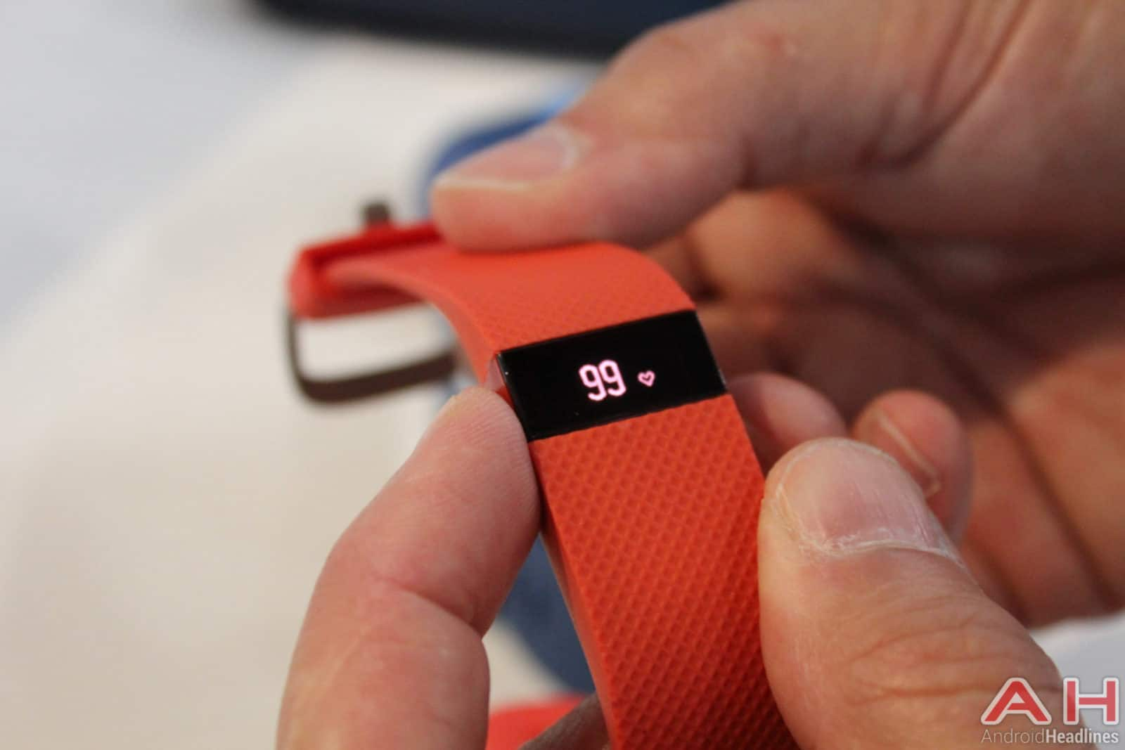Fitbit-Charge-HR-Tangerine-AH-3