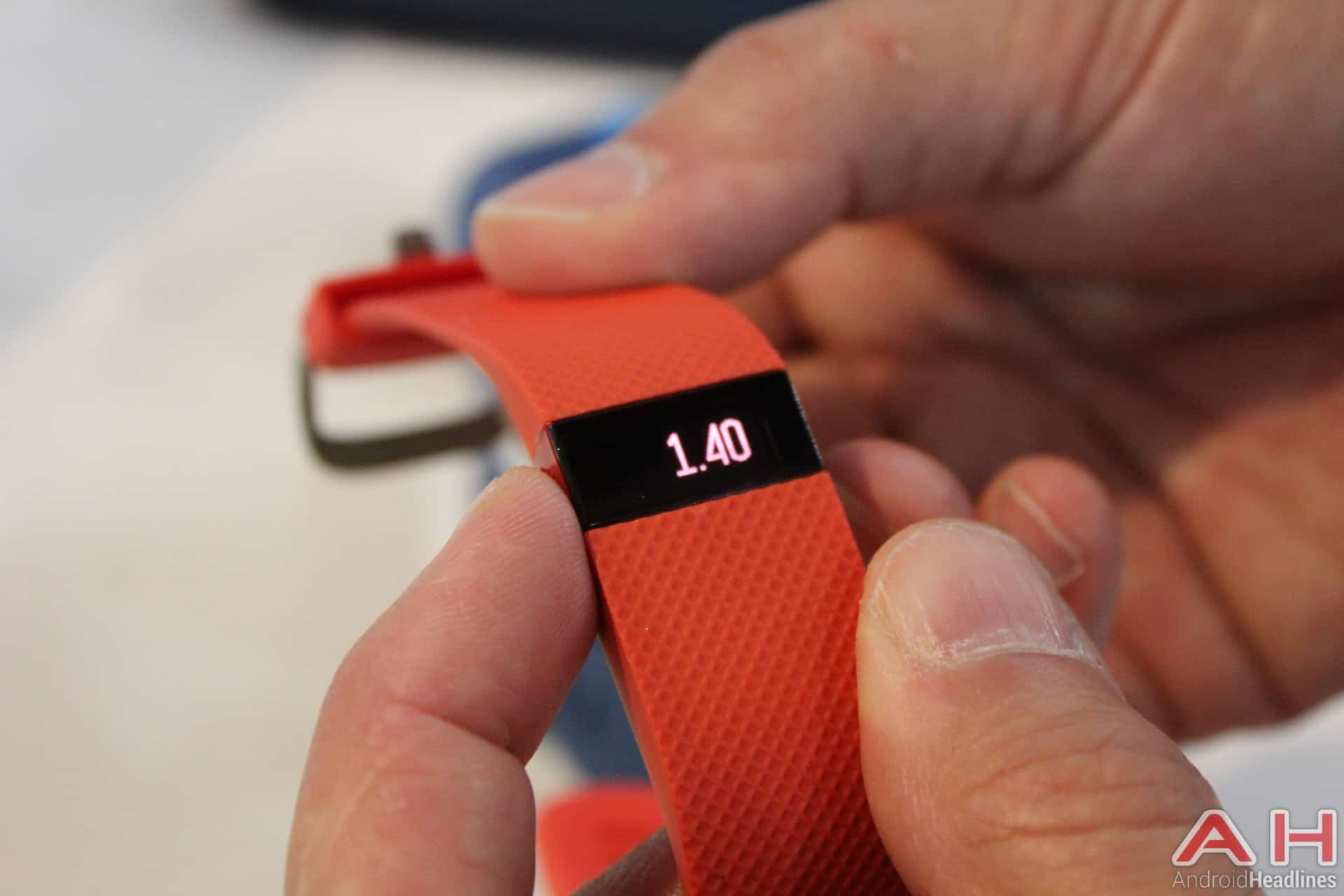 Fitbit Charge HR Tangerine AH 4