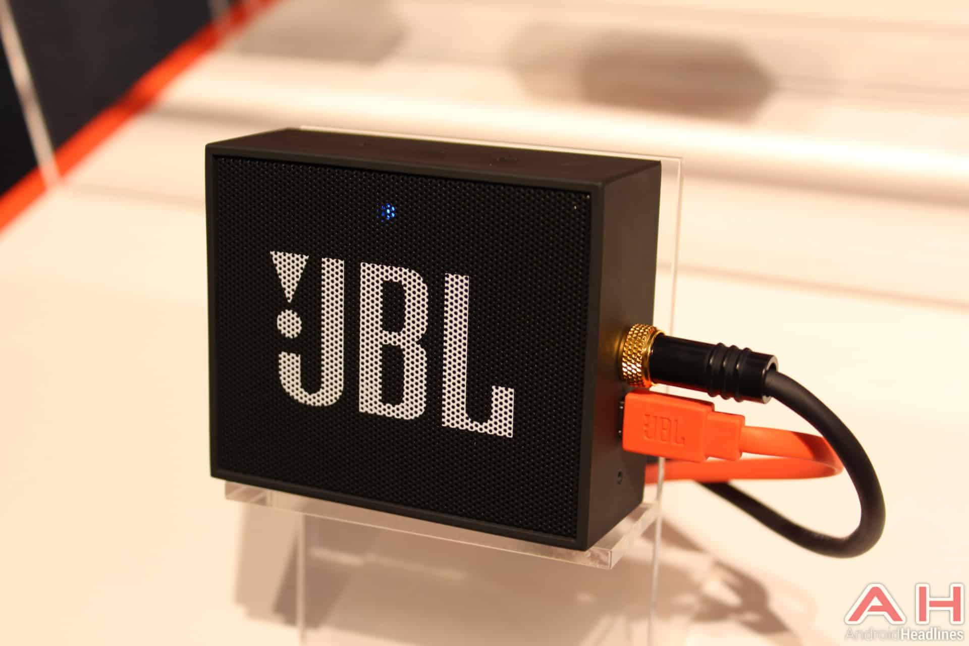 hands on with jbl 39 s latest from ifa 2015 android news. Black Bedroom Furniture Sets. Home Design Ideas