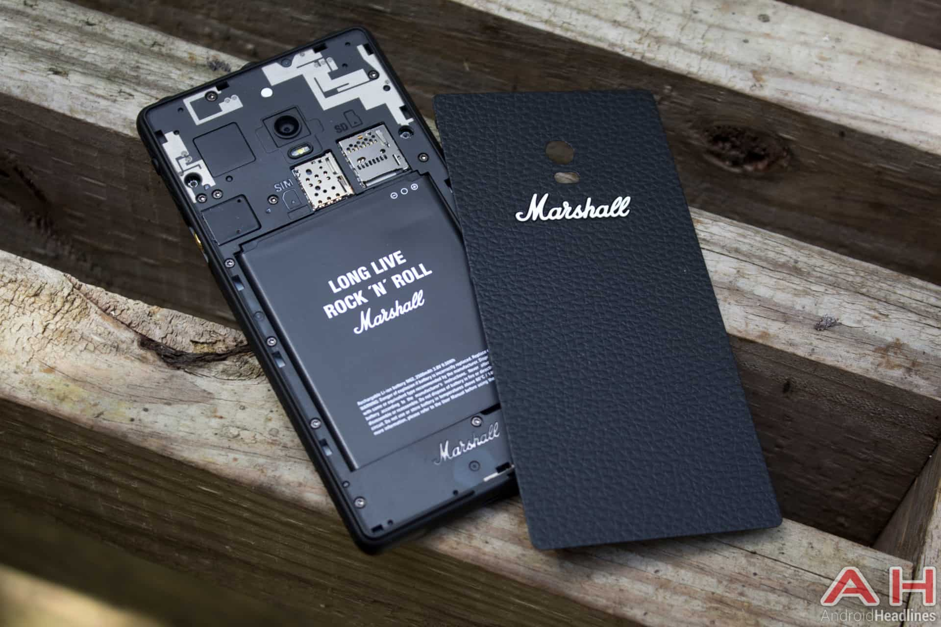 Marshall-London-AH-battery