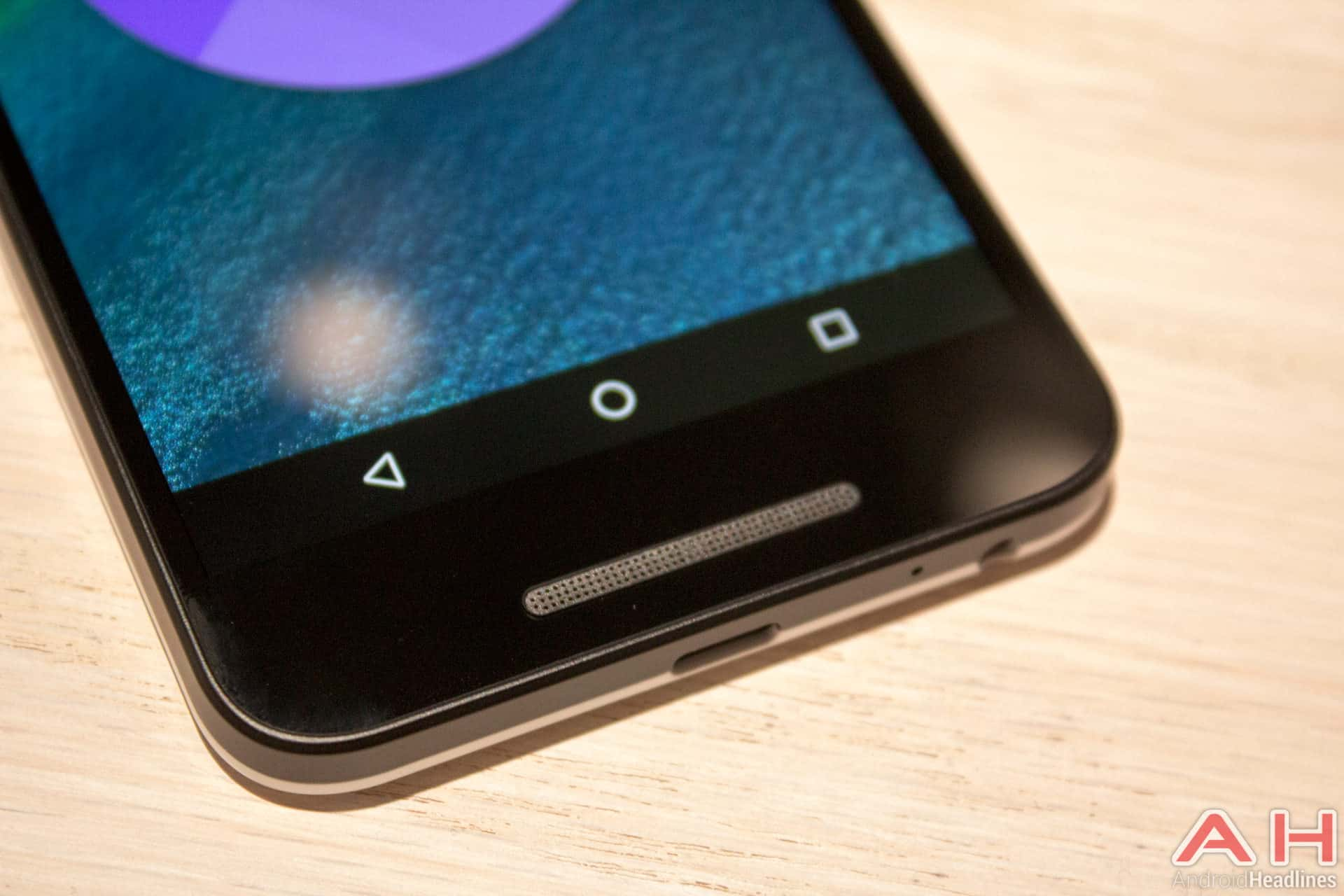 Nexus 5X Hands On AH 16
