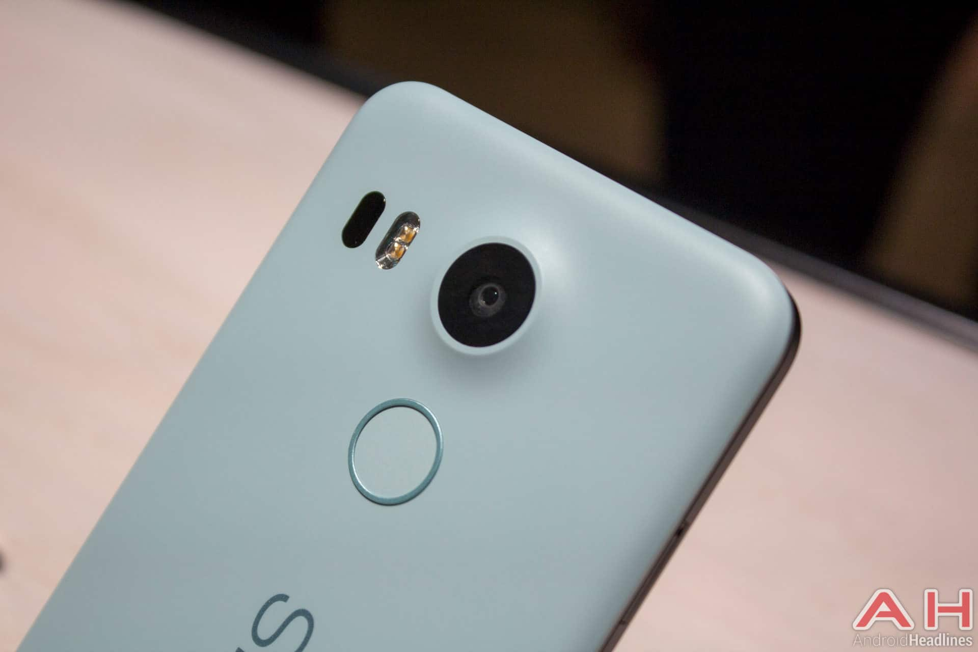 Nexus 5X Hands On AH 28