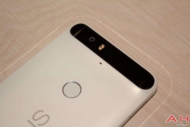 Nexus 6P's Black Bar Keeps it from Wobbling