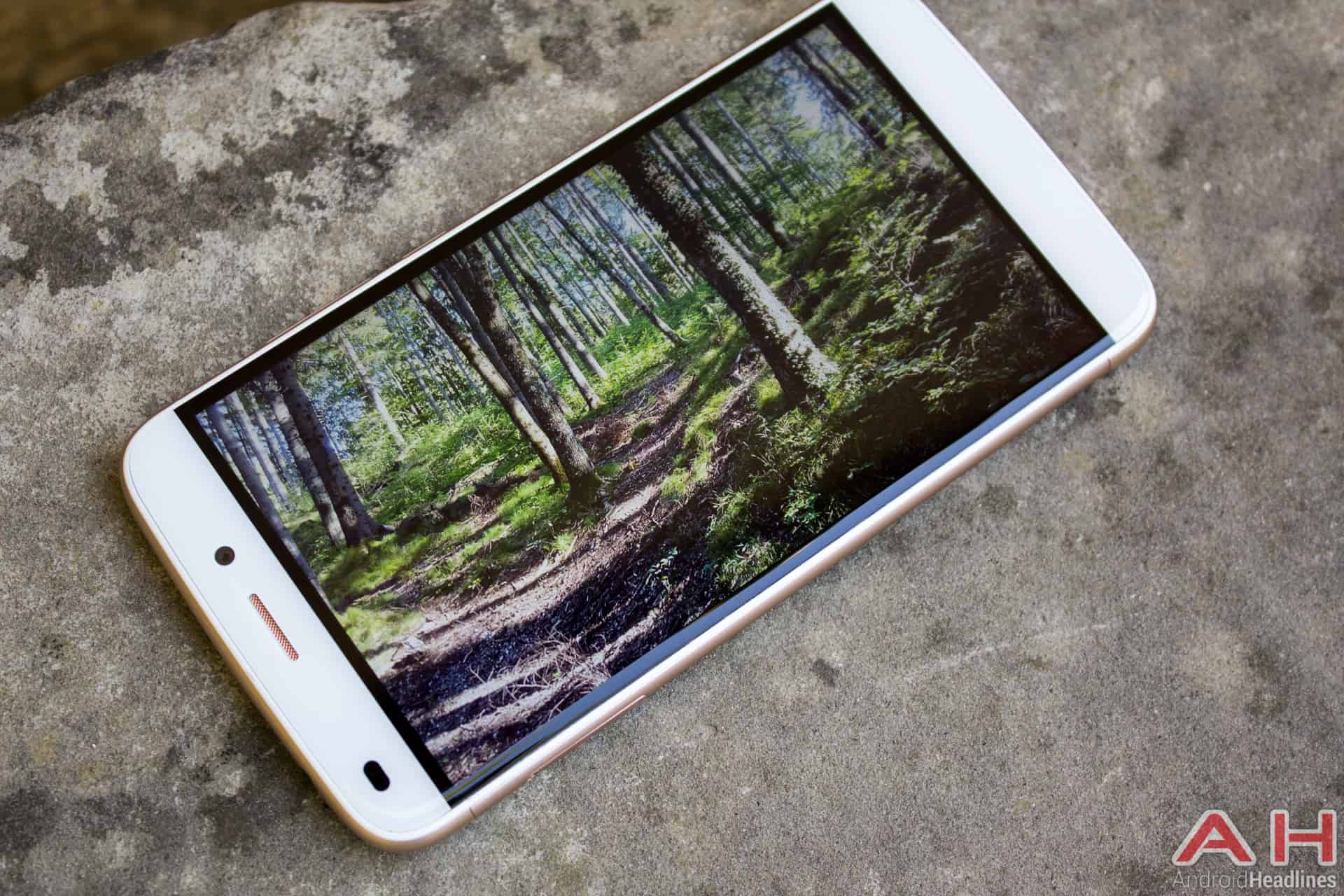 Oukitel-U10-AH-display