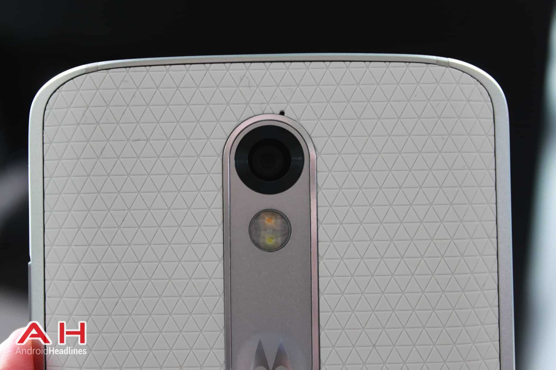 Droid Turbo 2 Hands On 1