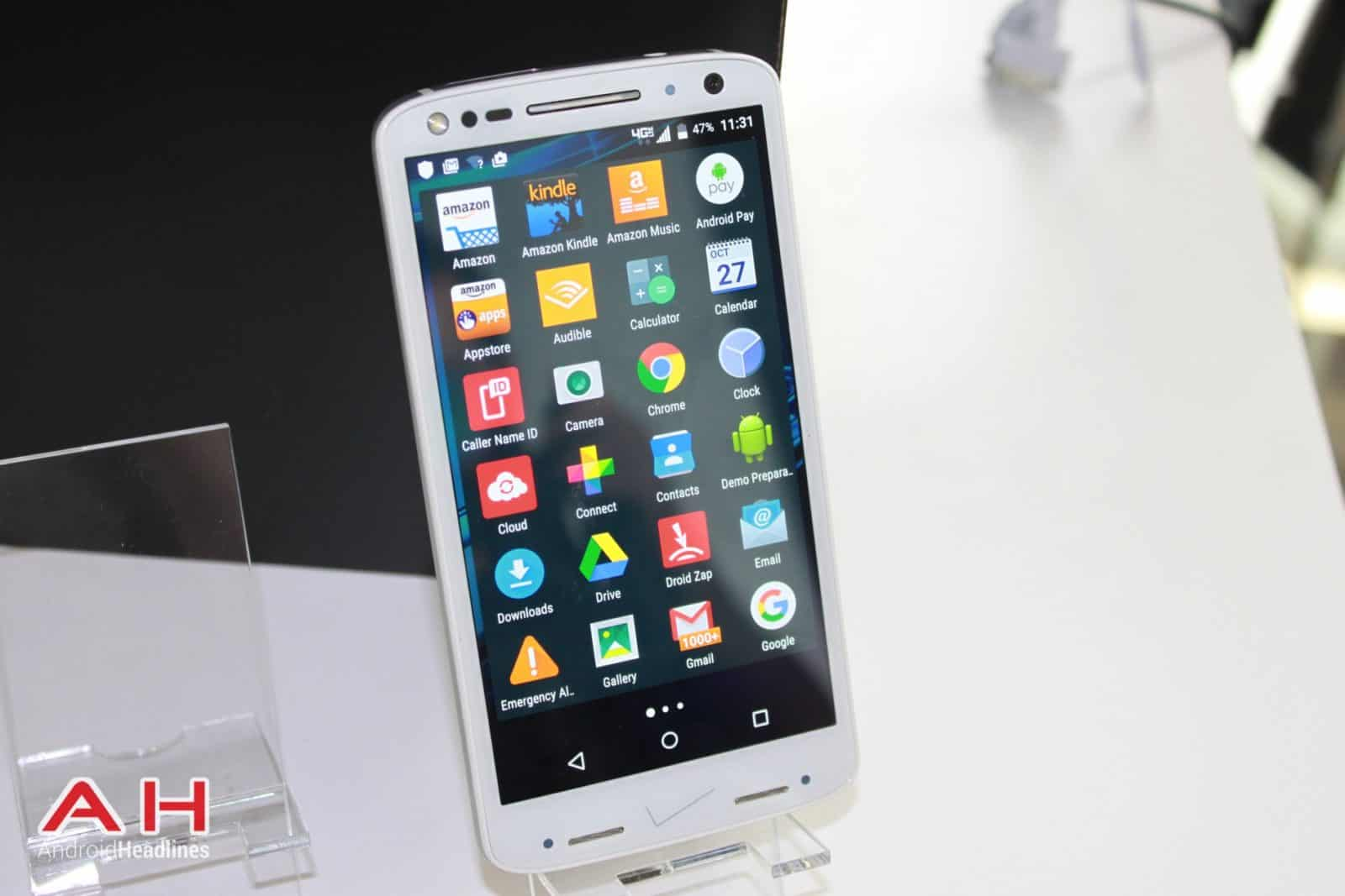 Droid Turbo 2 Hands On 7