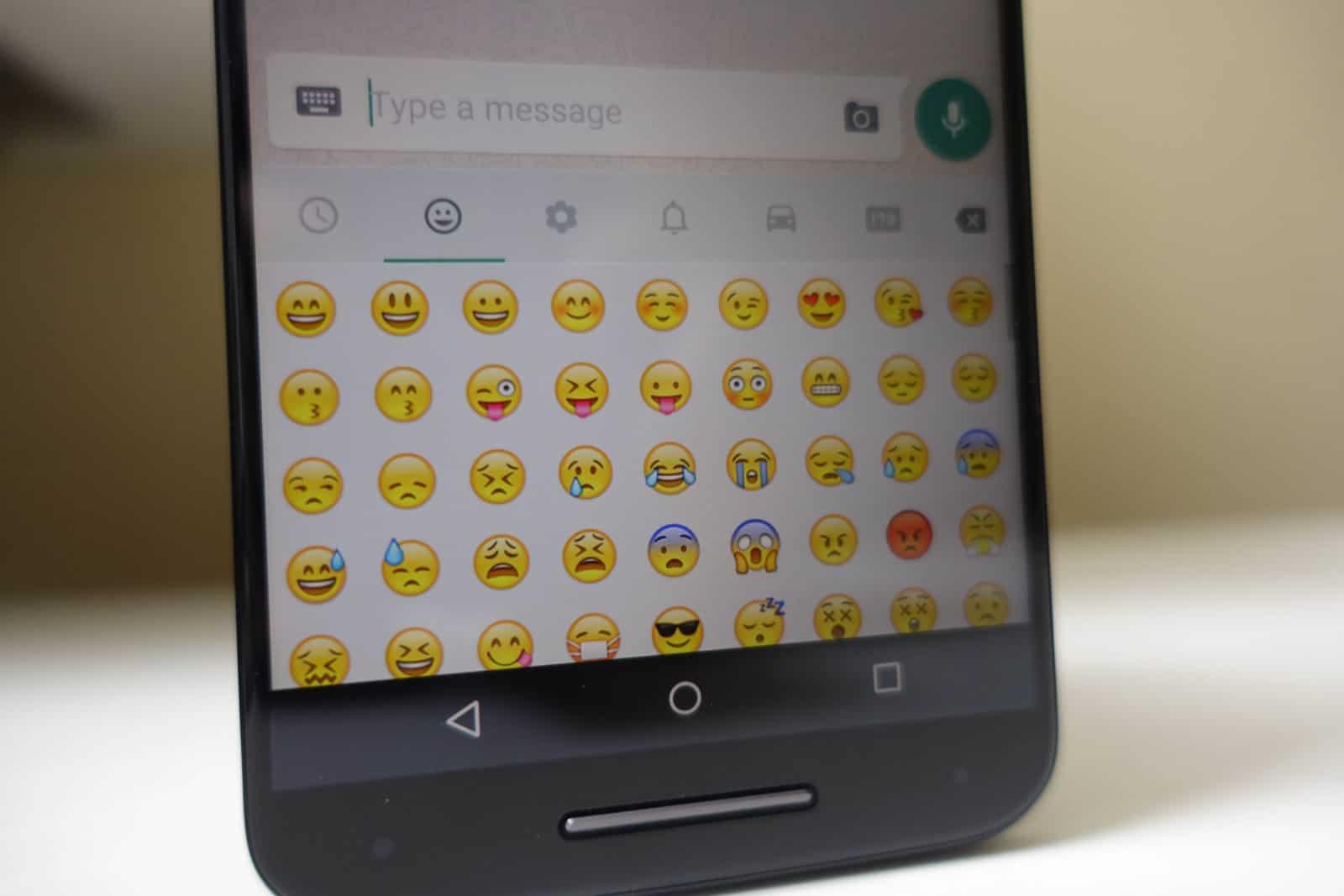 Emoji-AH-1