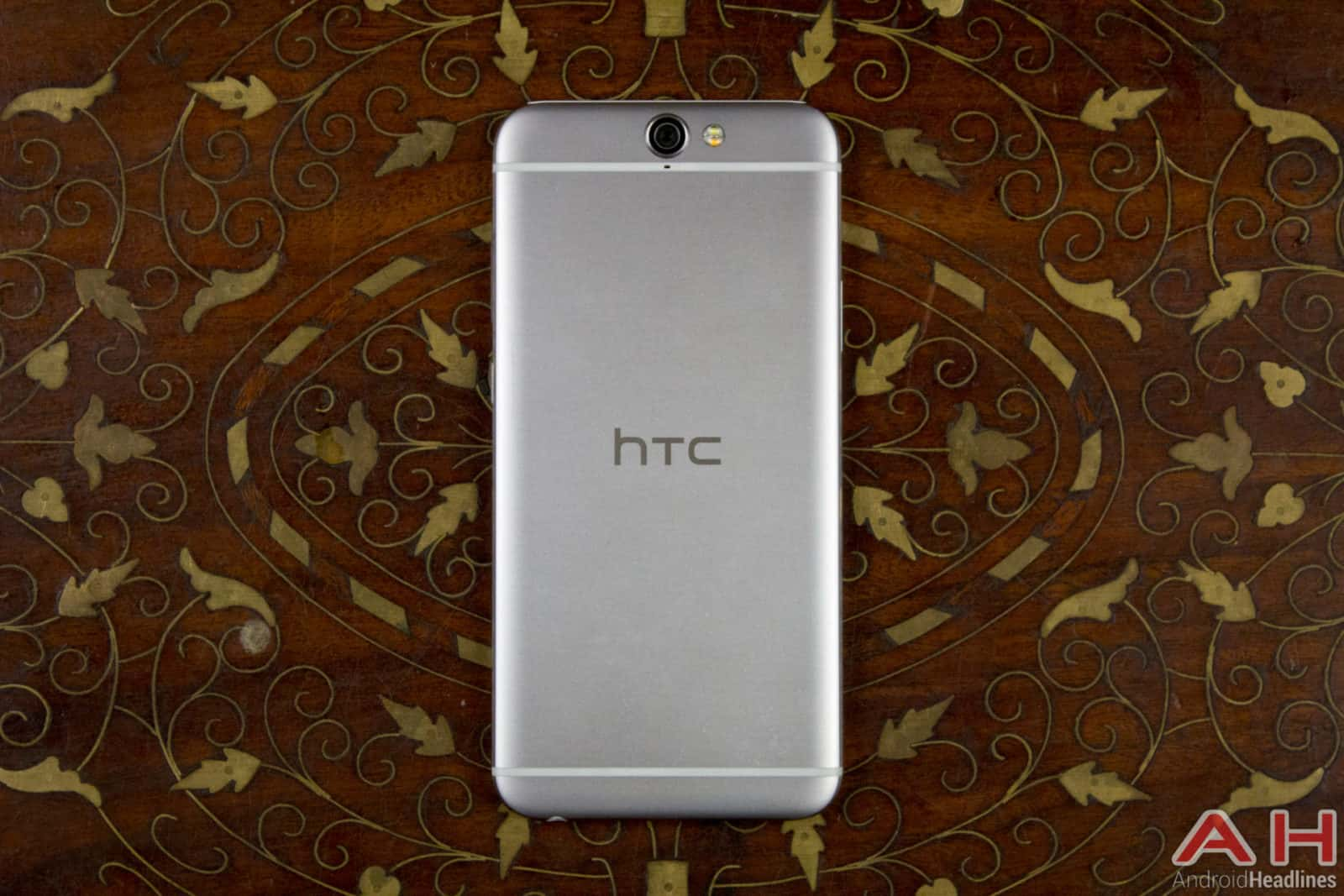 HTC-One-A9-AH-03