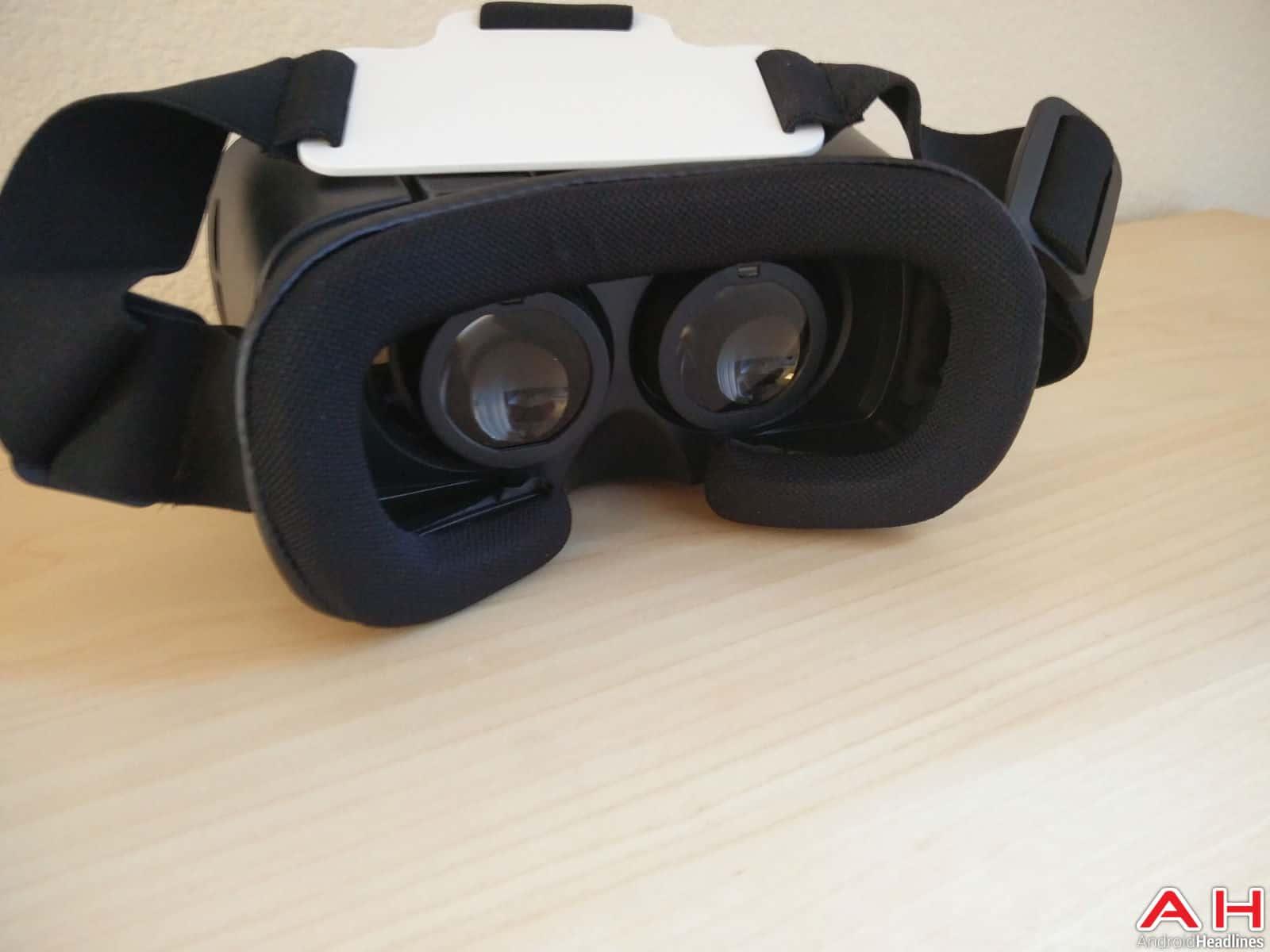 INNORI Virtual Reality Headset-16