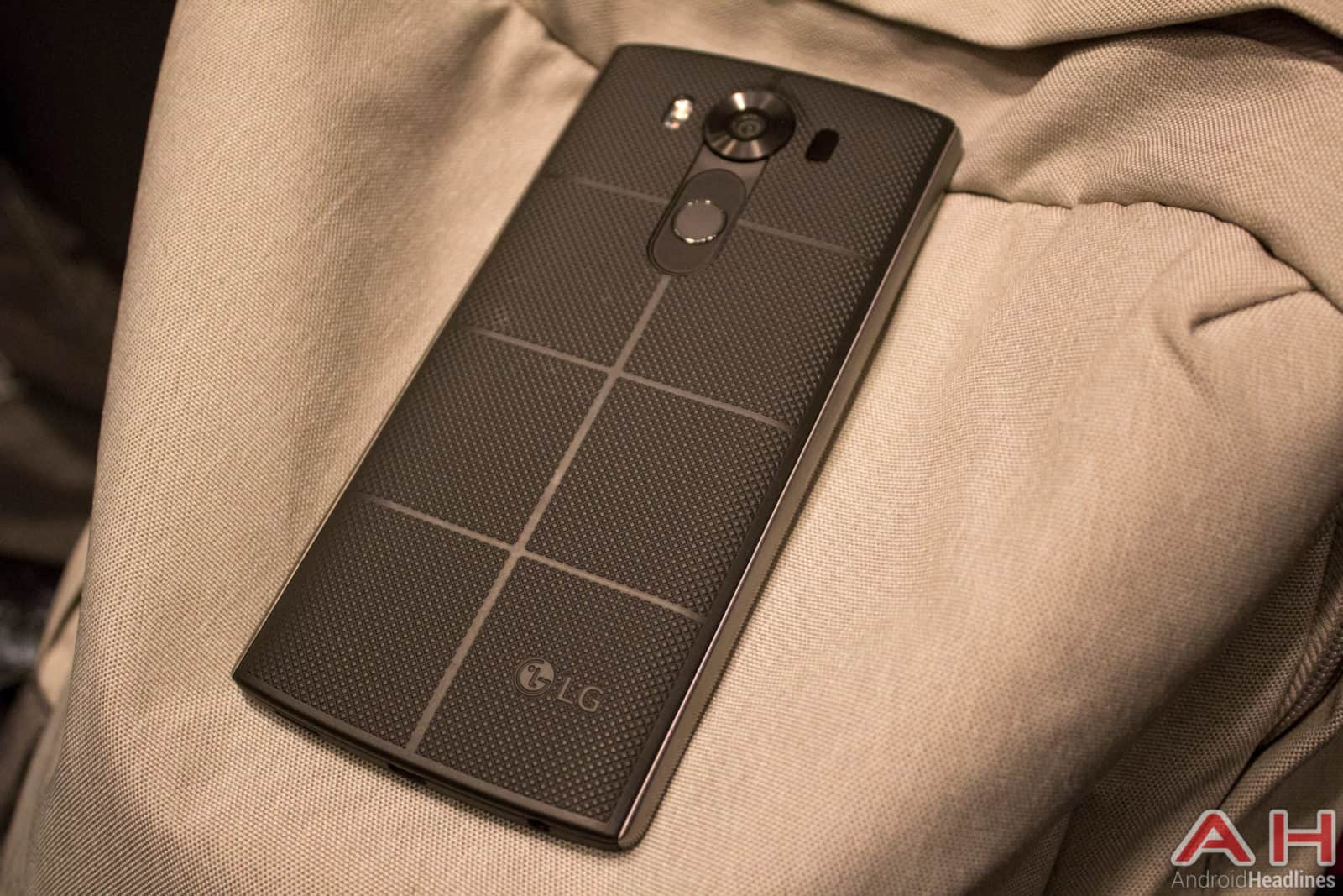 LG V10 AH 18