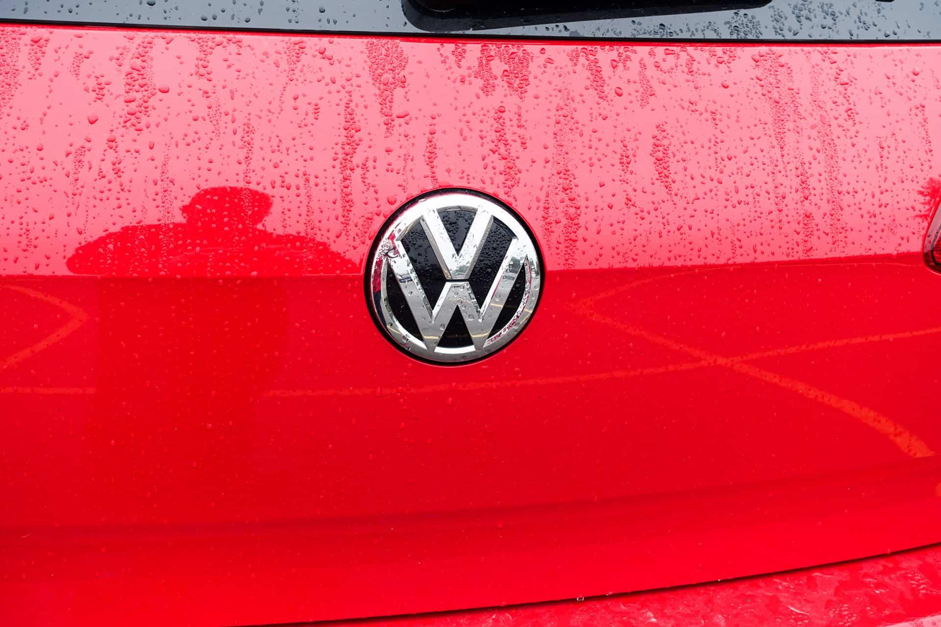 Volkswagen Golf R Review AH 42
