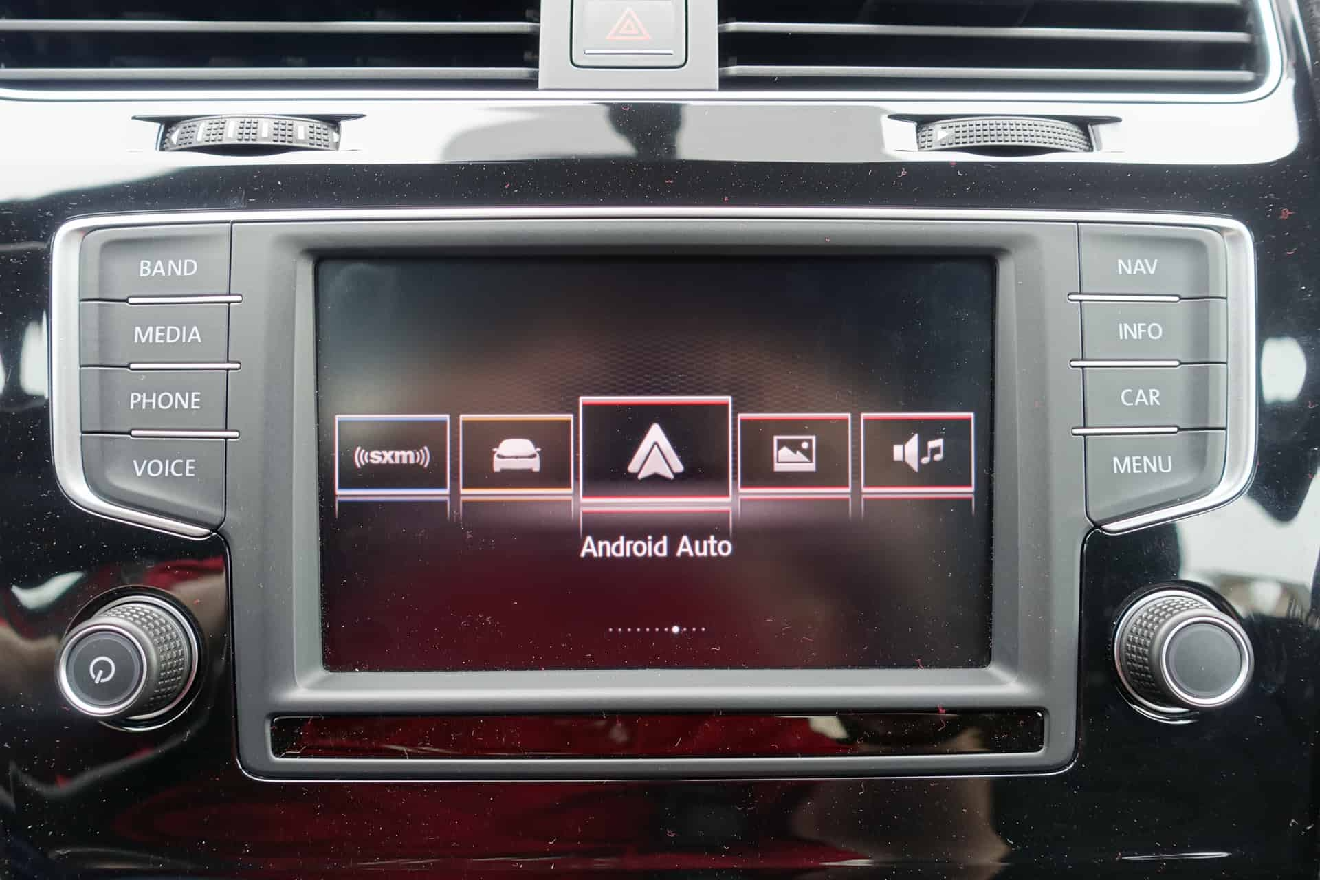 featured review android auto in the 2016 volkswagen golf r. Black Bedroom Furniture Sets. Home Design Ideas