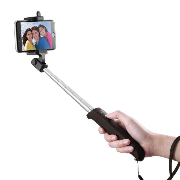 anker-selfie-stick