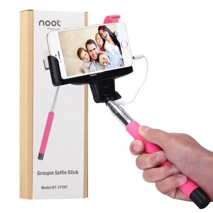 noot-groupie-selfie-stick