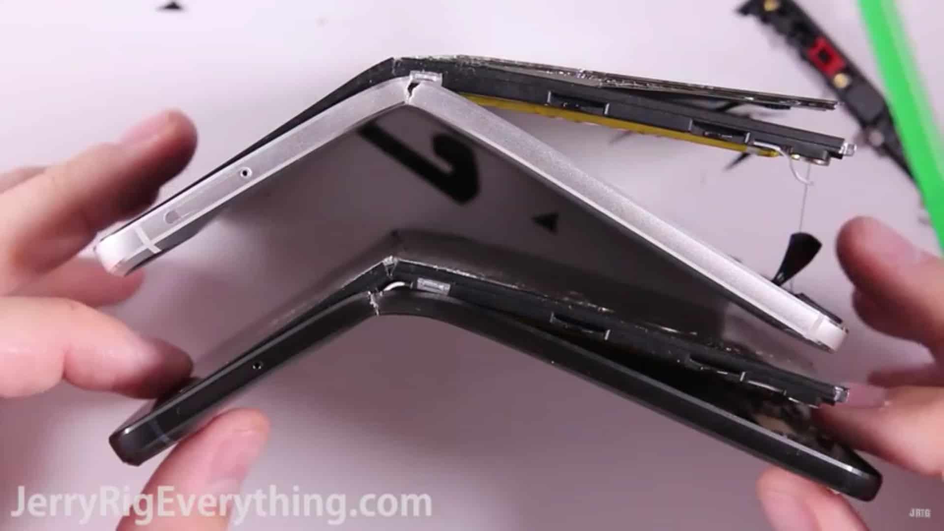 Nexus 6P bend test 2