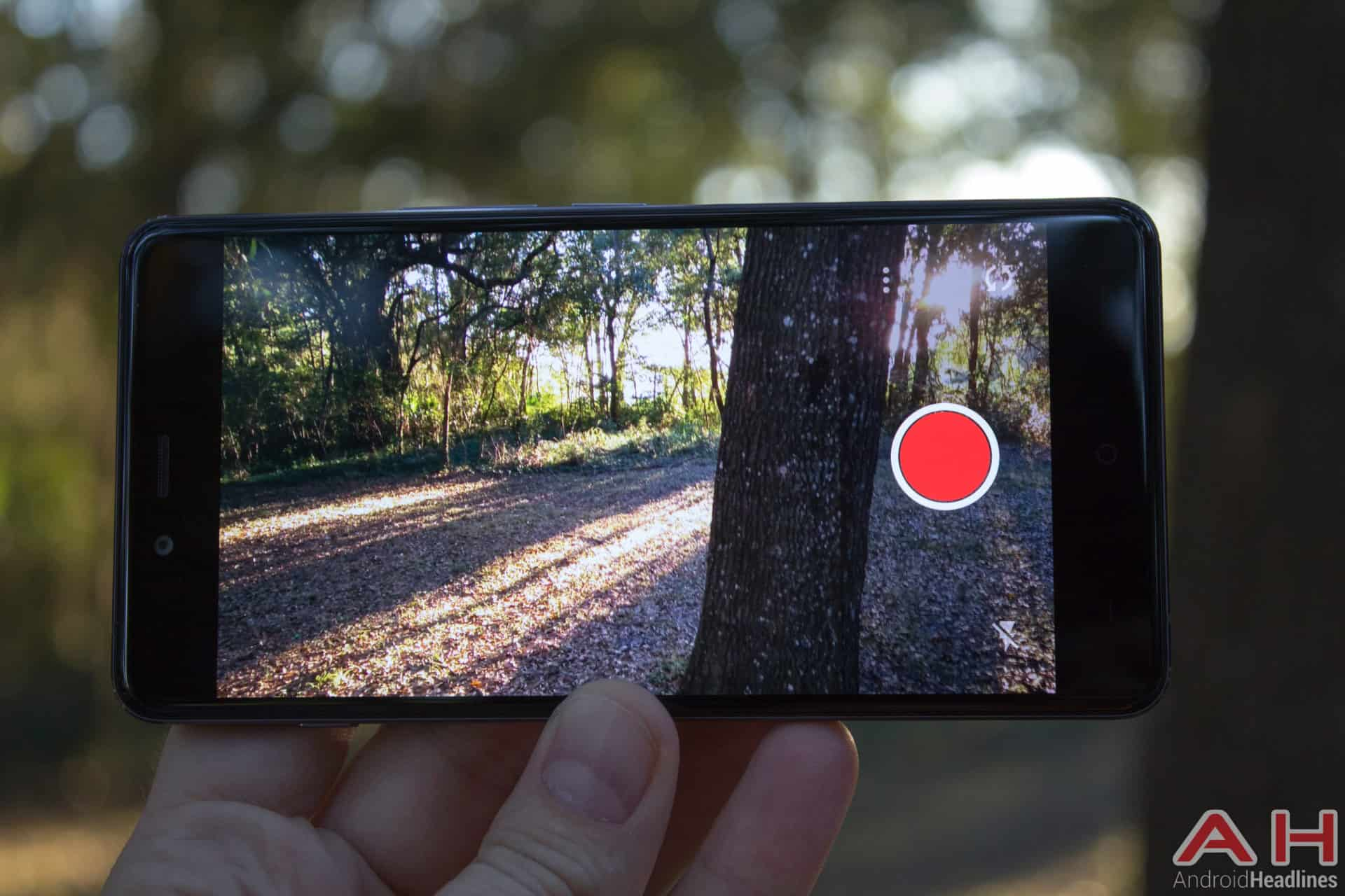 OnePlus-X-AH-camera