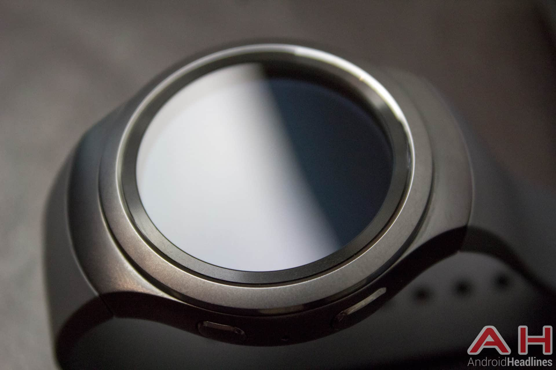 Samsung-Gear-S2-AH-01