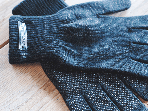 knitted-touchscreen-gloves-2