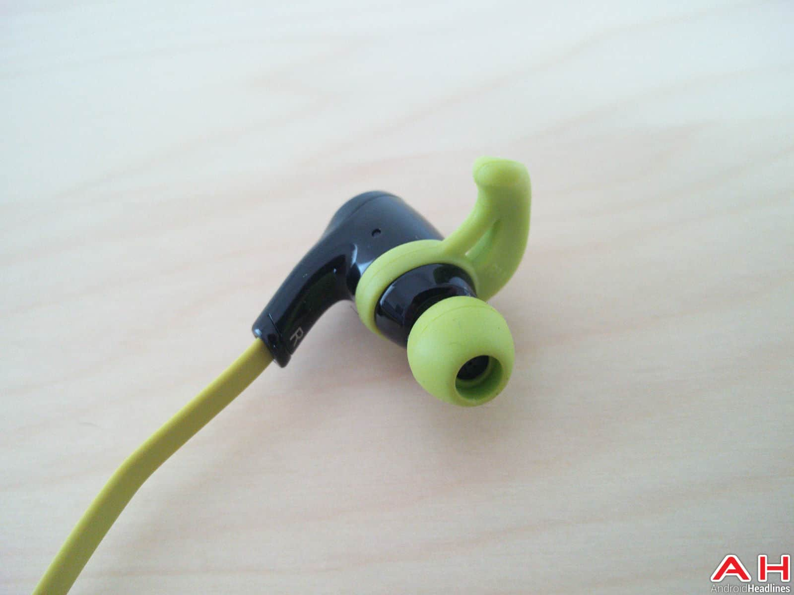 1byone Bluetooth Headphones AH-30