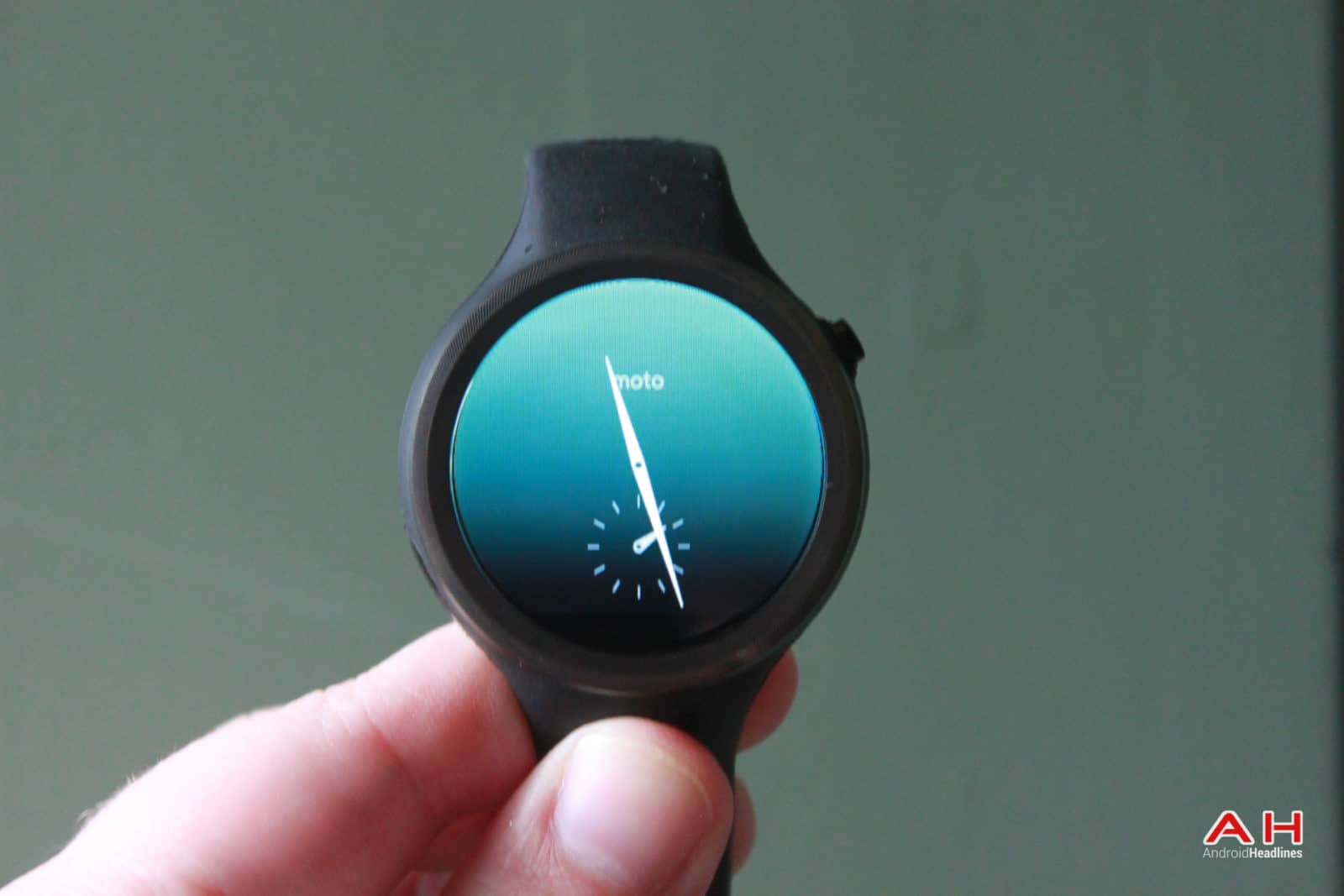 AH Moto 360 Sport-display