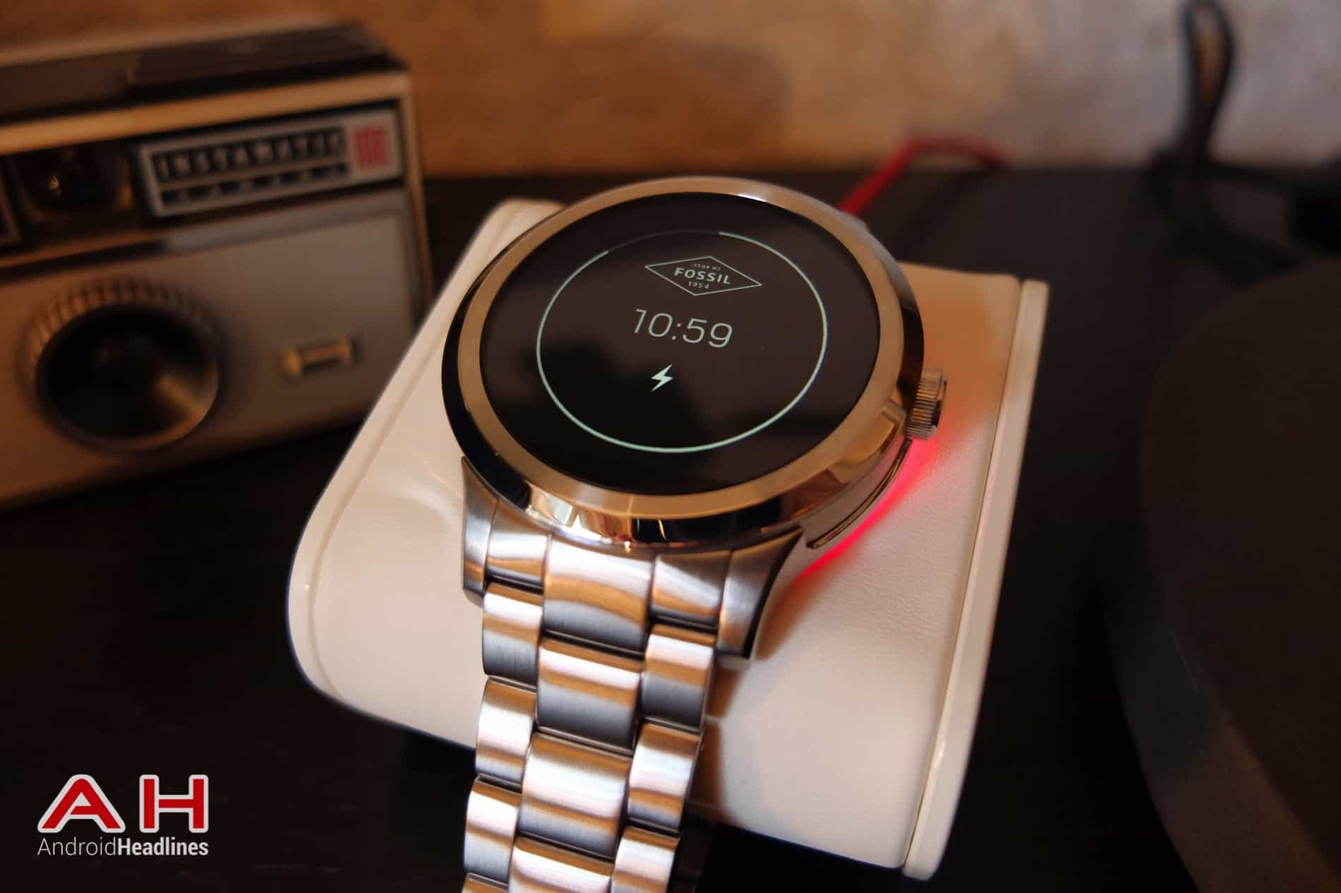 Fossil Q Founder AH 02