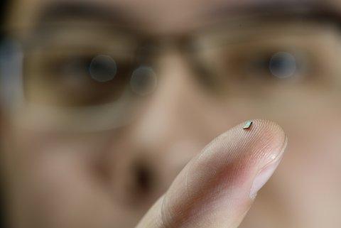 wireless batterijloze thermometer van PhD Hao Gao, vakgroep Mixed Signal Microelectronics, EE TU/e