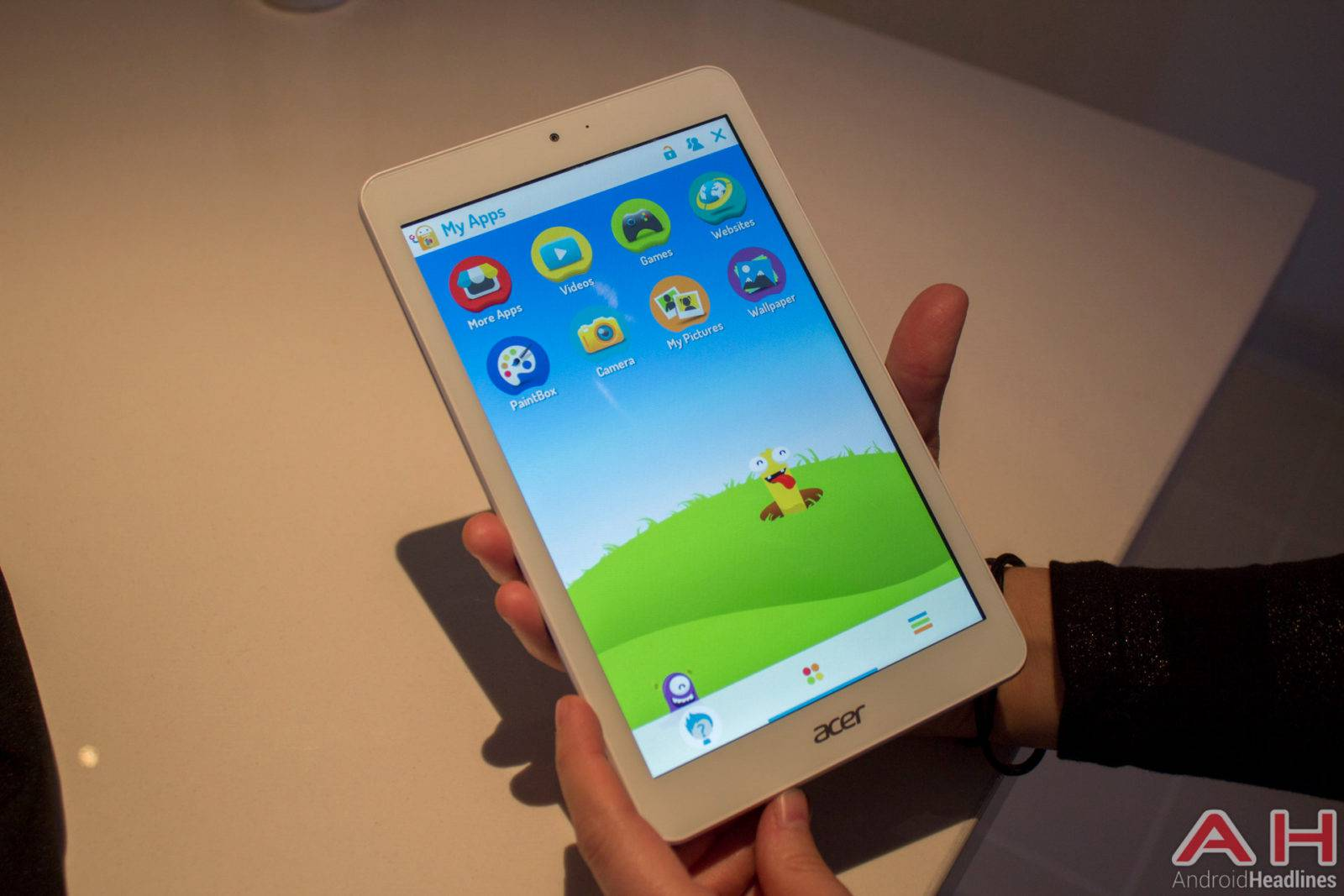 AH Acer Iconia One 8-2