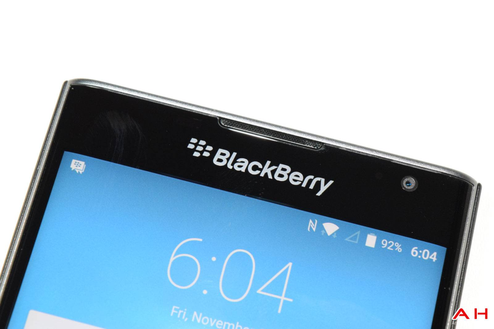 AH  BB Blackberry Priv Logo 2016 Chris -16