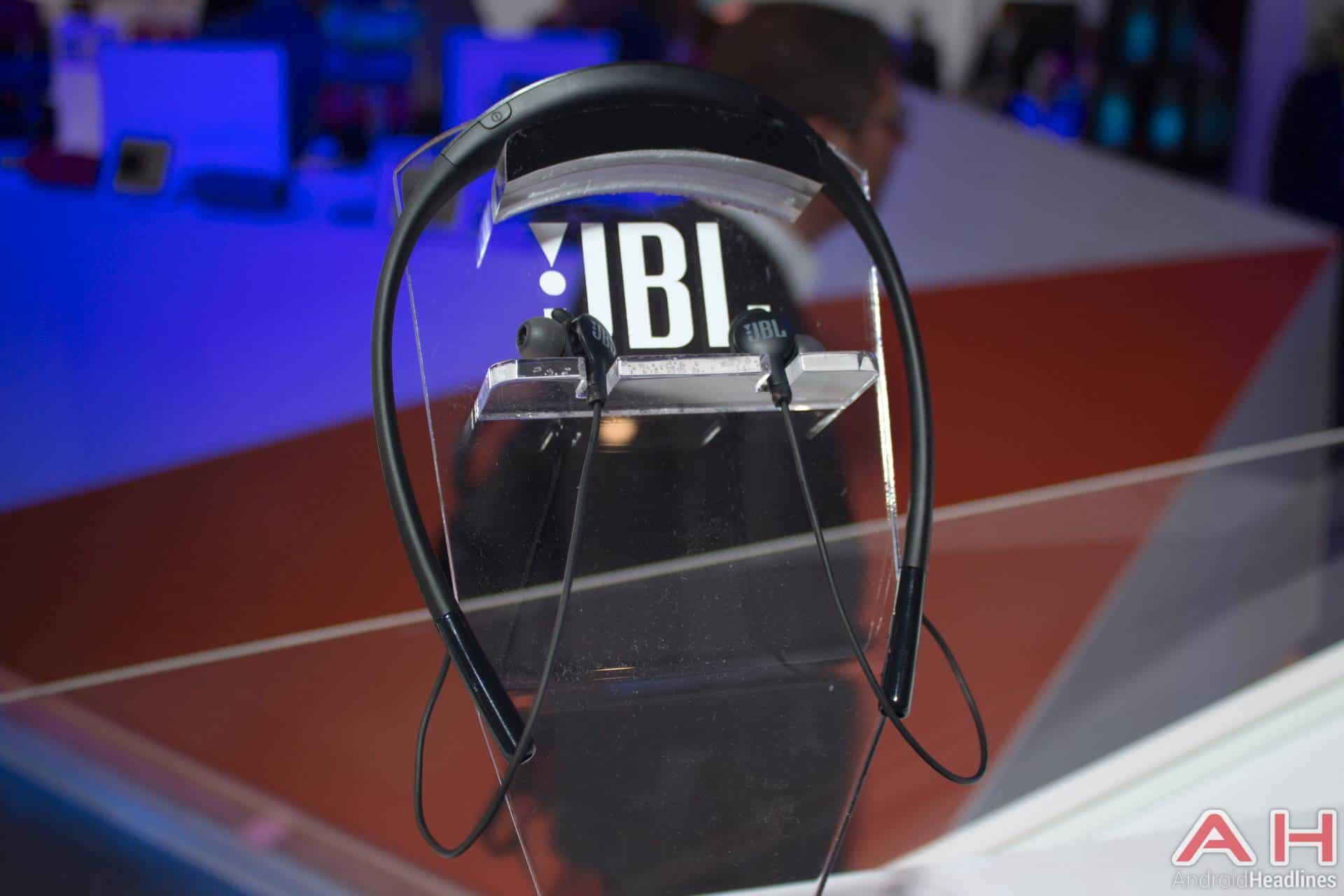 Jbl Stereo Wireless Headset Sport Everest 100 Page 5 Daftar In Ear Headphone Hitam Update Harga Terbaru Indonesia