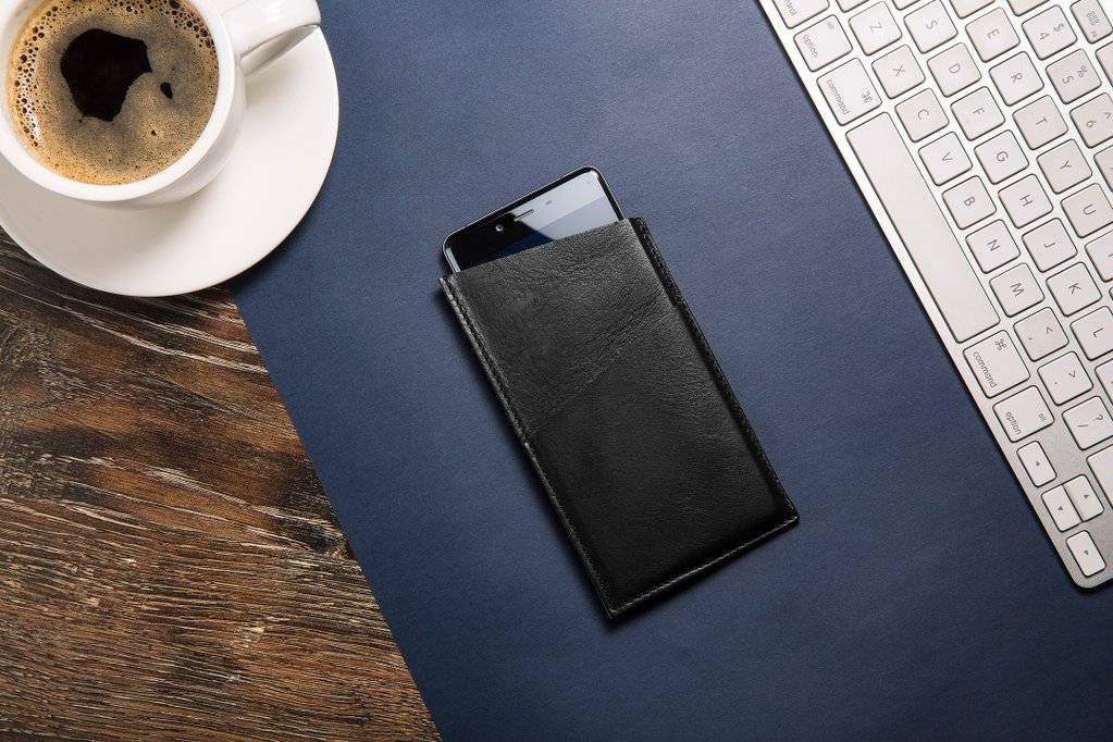 OnePlus Octovo Leather Case main