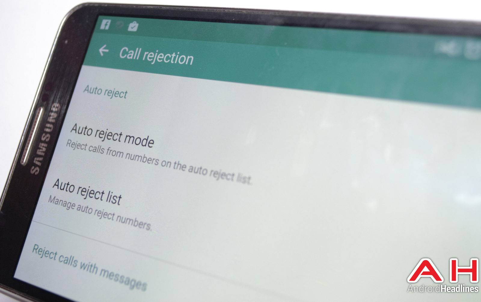 How can you block unwanted callers using an Android device?