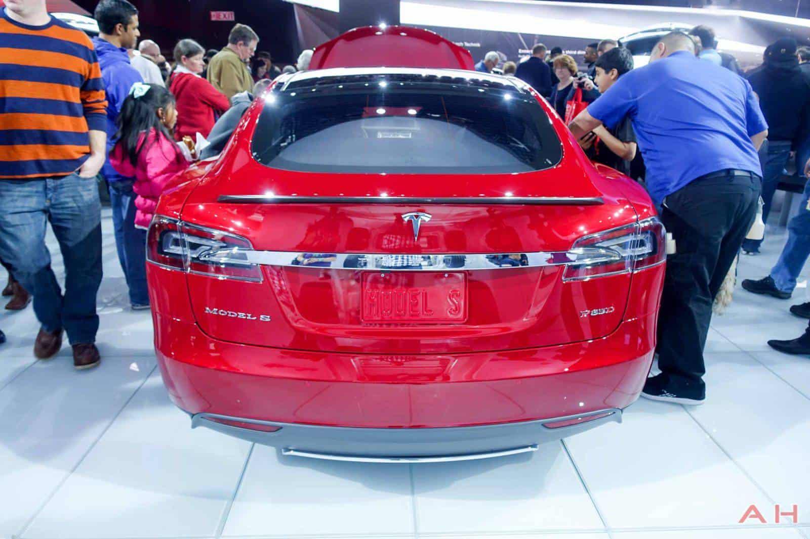 Tesla-Model-S-AH-