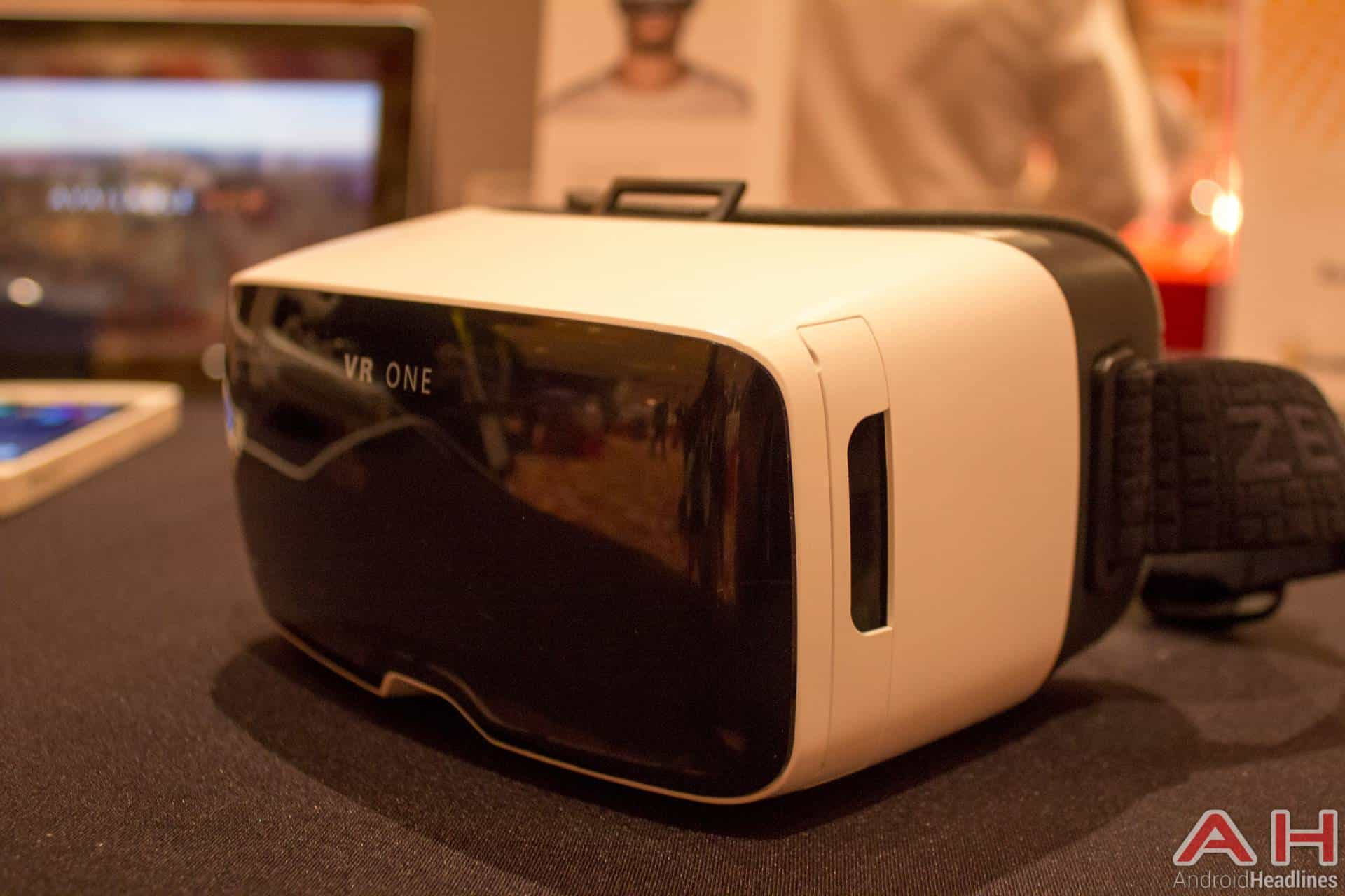 Zeiss VR One CES 2016 AH 7
