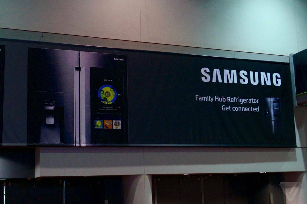 samsung-fridge-big-touchscreen-1