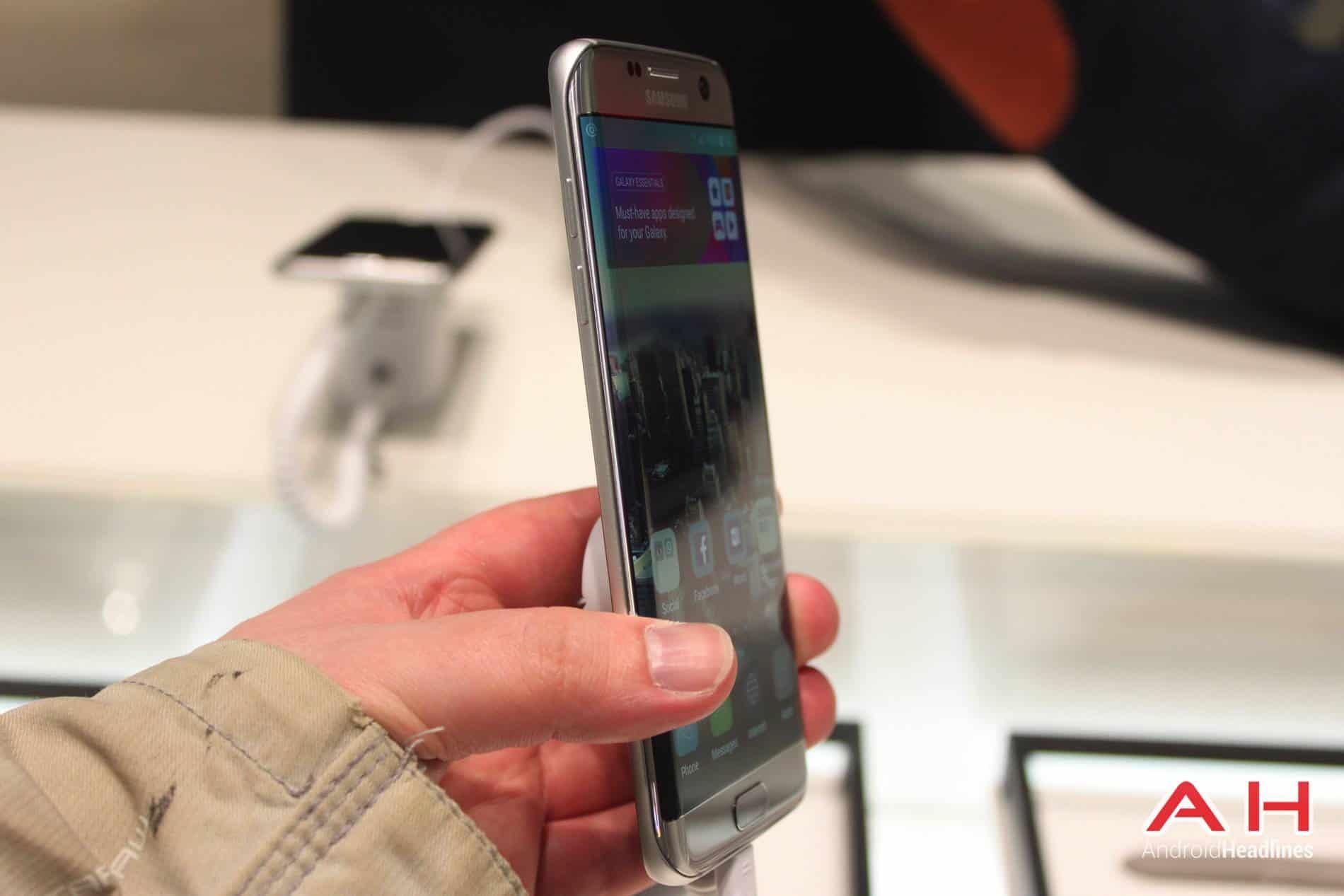 Galaxy S7 Edge MWC Booth AH 4