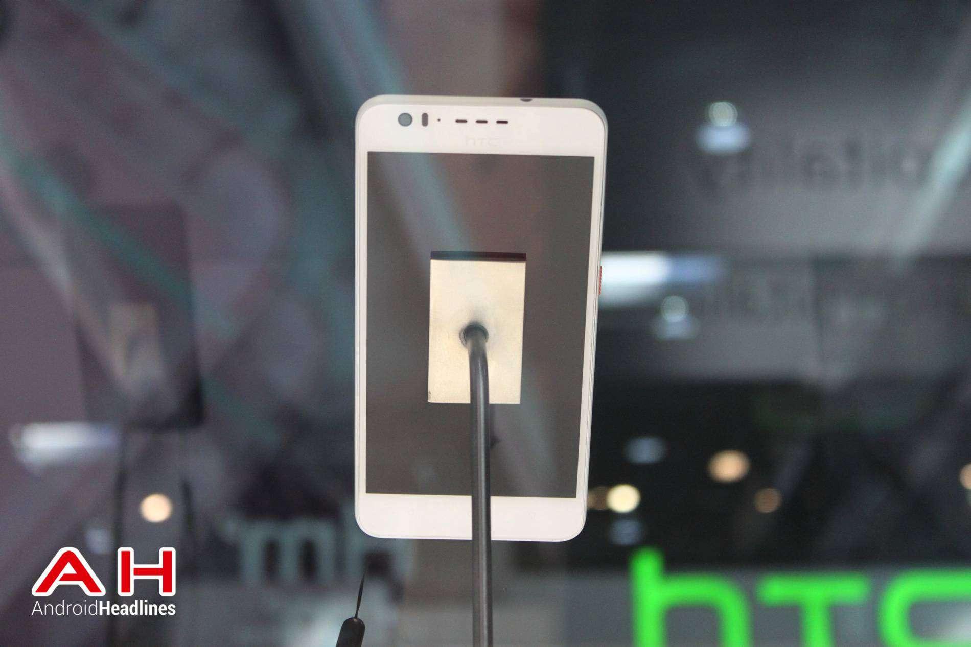 HTC Desire 825 MWC AH 07