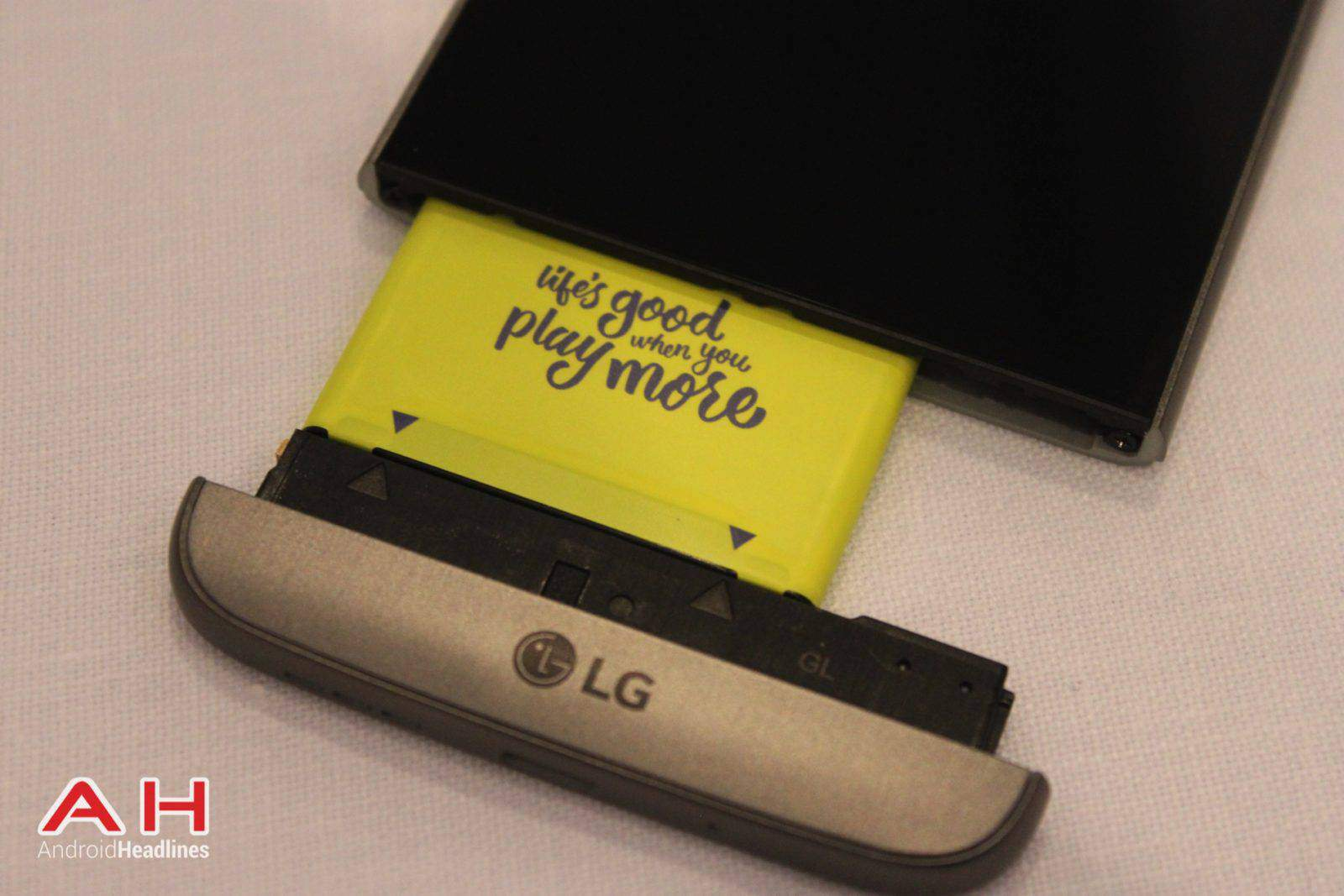LG G5 Hands On MWC AH 12