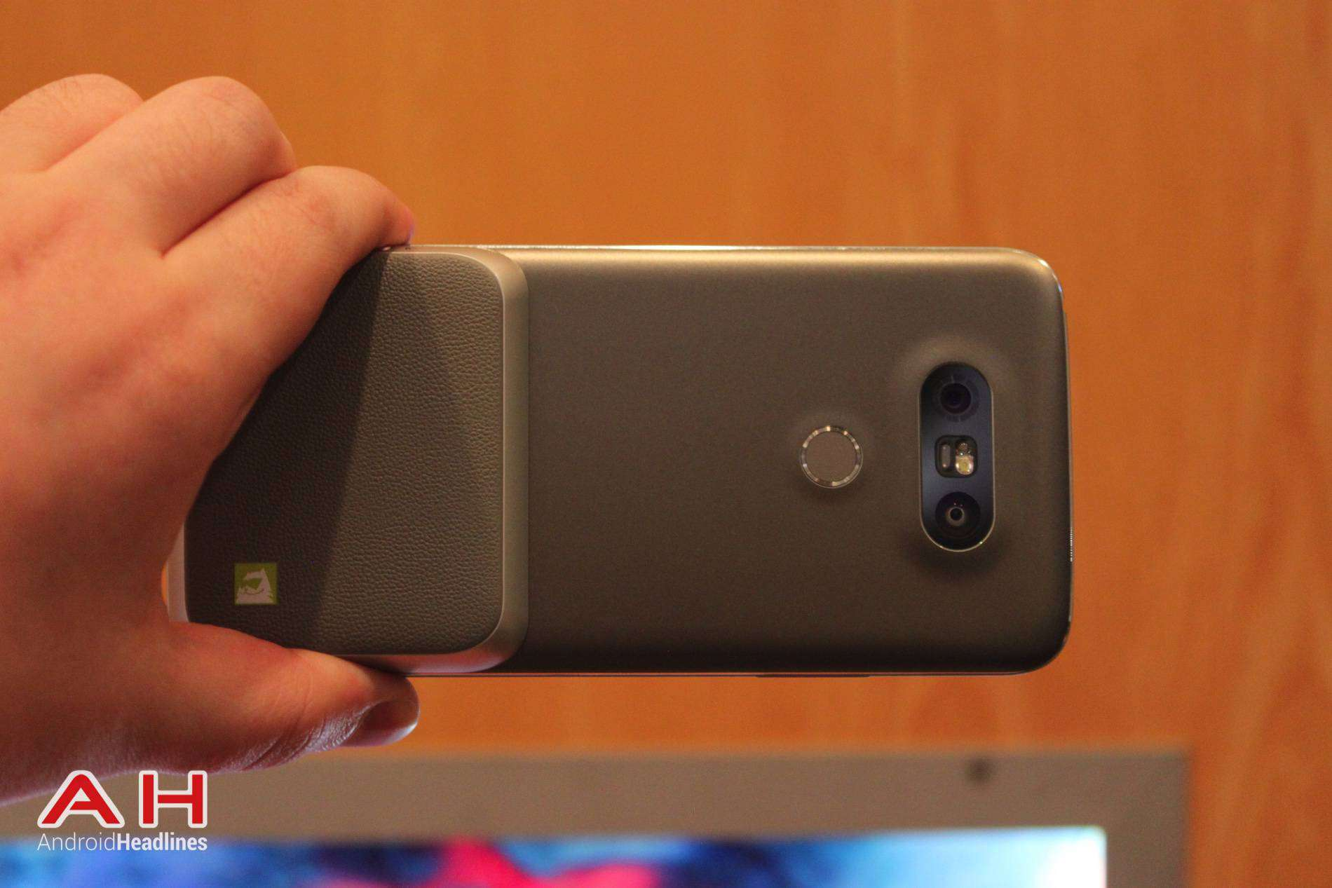 LG G5 Hands On MWC AH 16